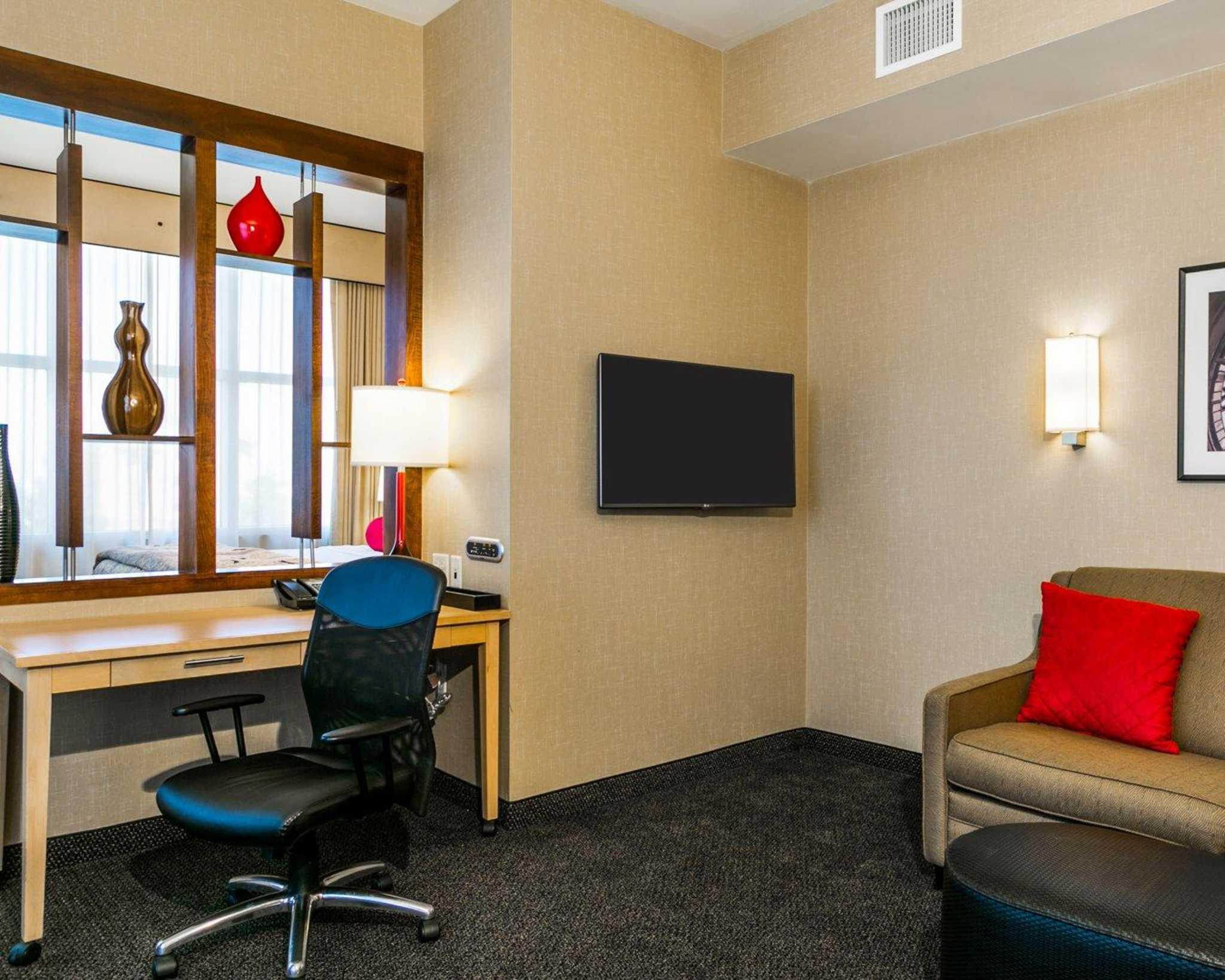 Cambria Hotel Denver International Airport image 14