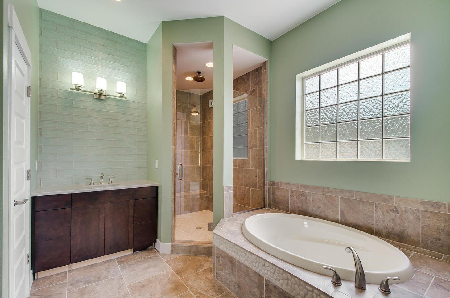 Axxess Painting and Remodeling, LLC image 0