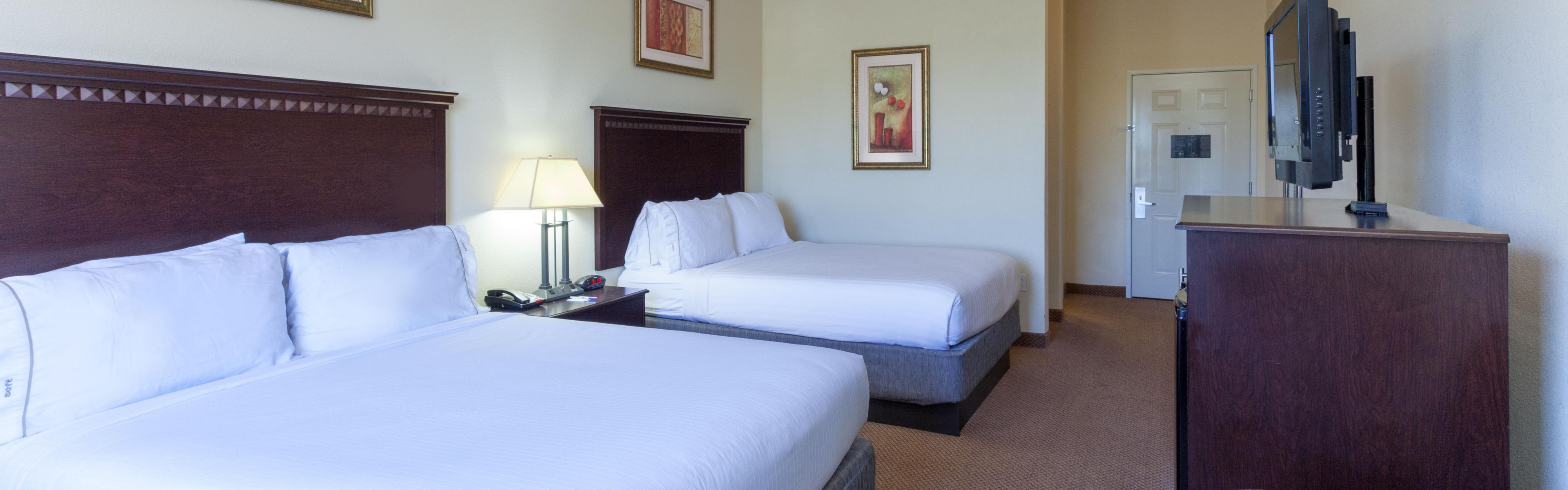 Holiday Inn Express & Suites Clarksville image 1