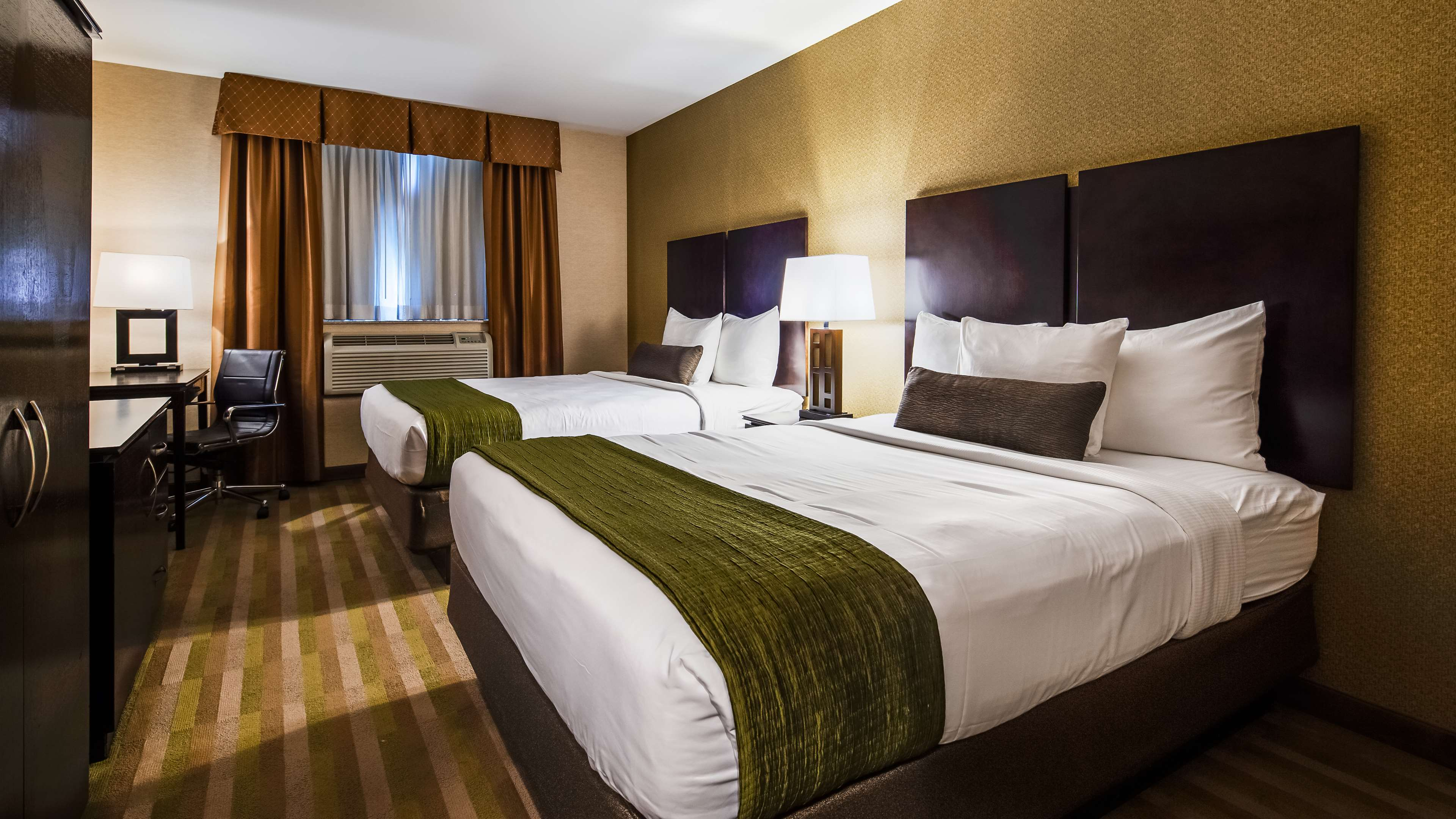 Best Western Plus Plaza Hotel image 19