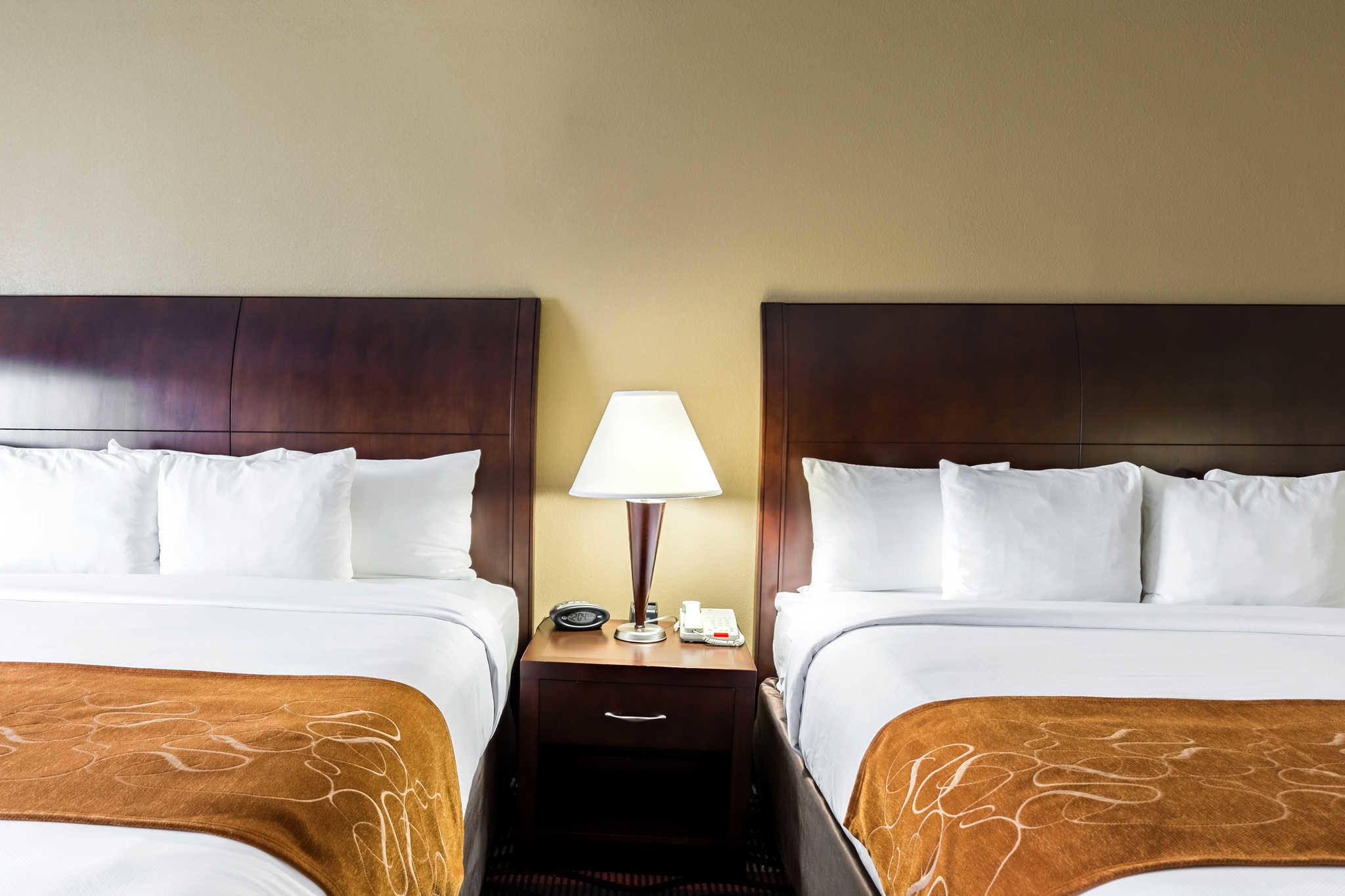 Comfort suites at 5955 walden road beaumont tx on fave for Q furniture beaumont texas