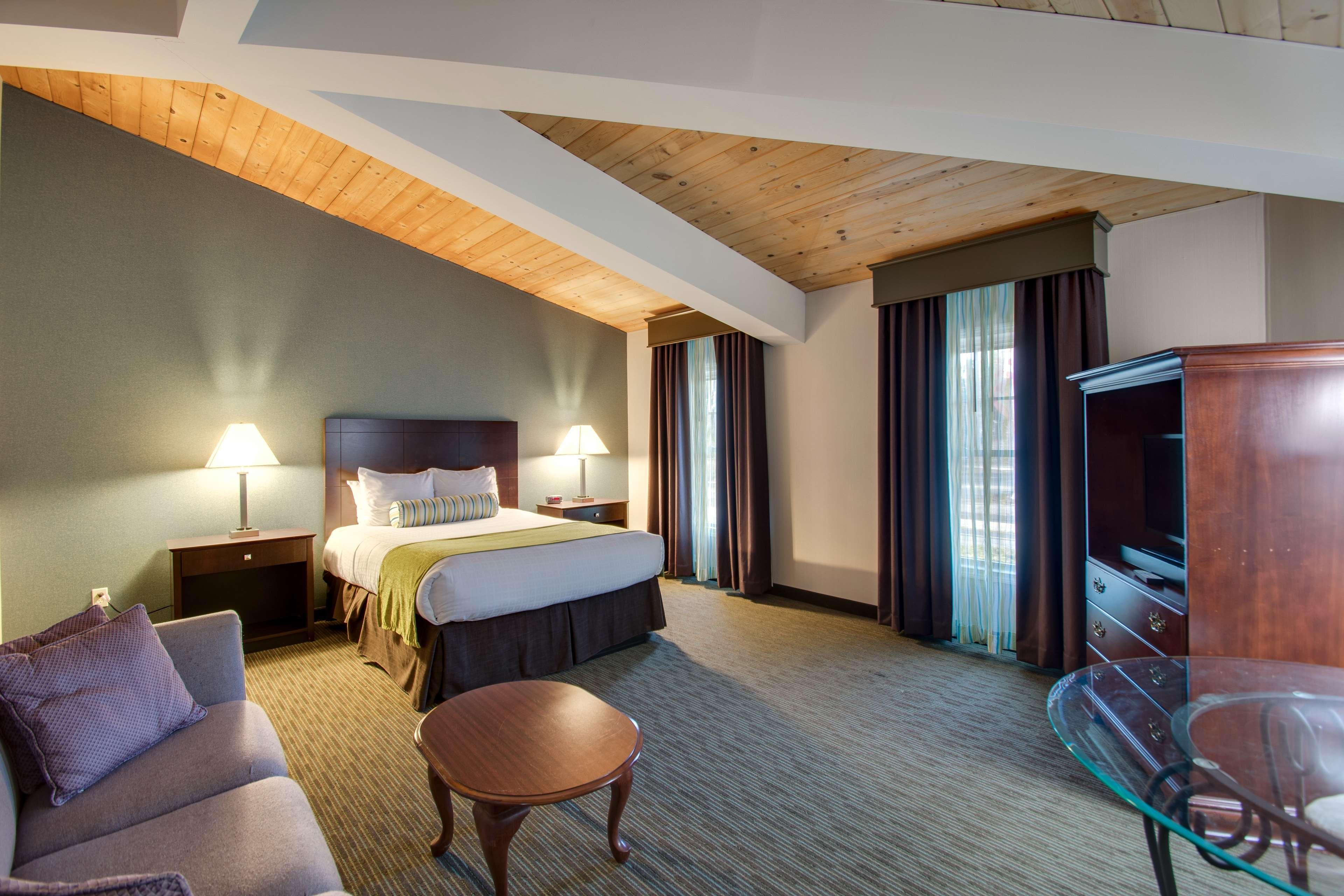 Best Western Plus The Inn at Hampton image 6
