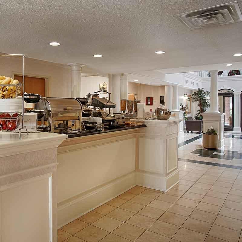 Magnuson Hotel Park Suites image 3