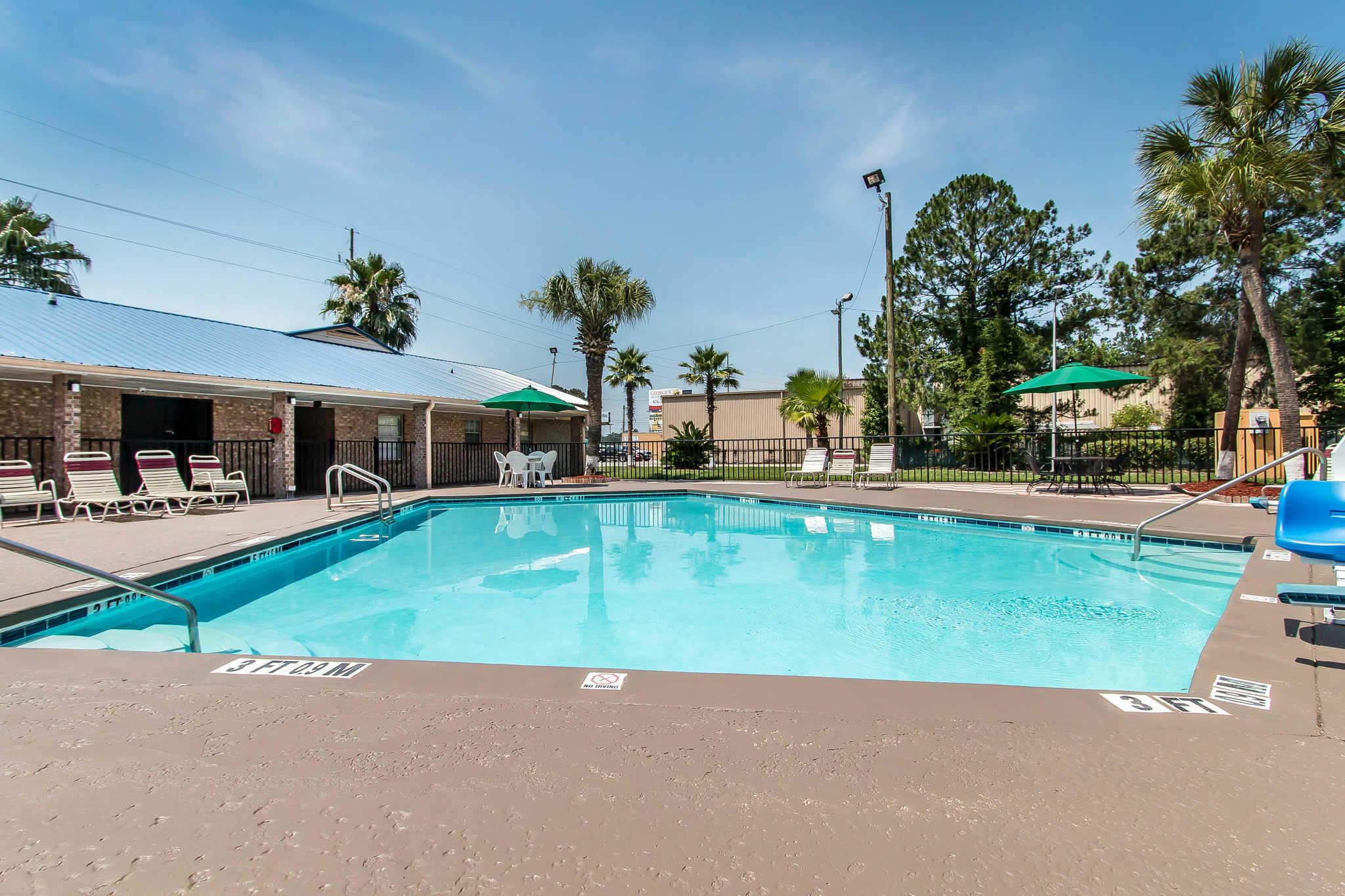 Quality Inn Hinesville - Fort Stewart Area image 24