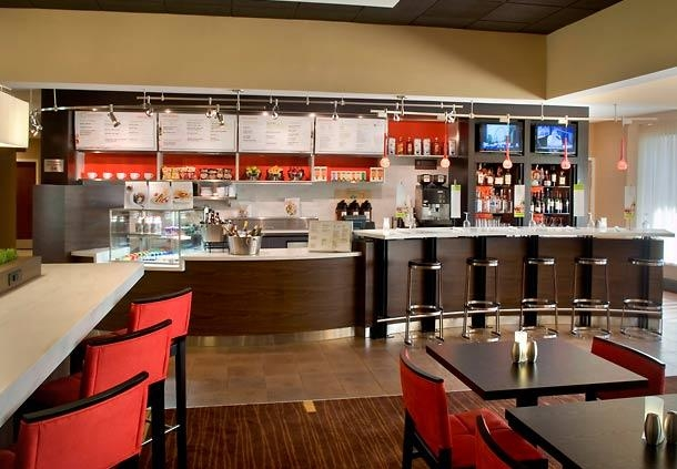 Courtyard by Marriott Lincroft Red Bank image 9