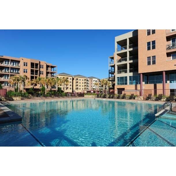 Lake Carolyn Apartments