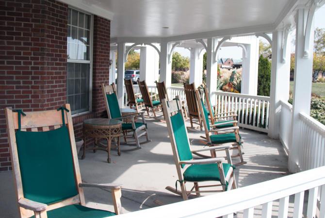 Willow Lake Place image 1