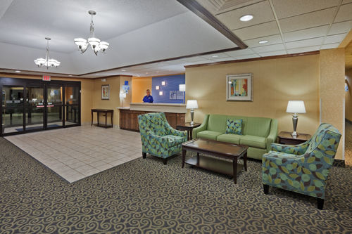 Holiday Inn Express & Suites Lebanon image 2