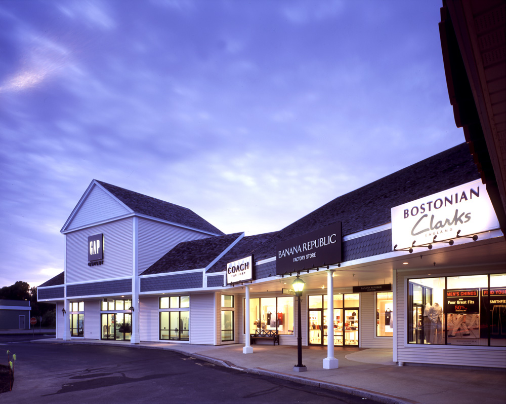 Located in Maine®s famed outlet shopping district of outlet stores, Kittery Premium Outlets is just one hour from Portland, ME and Boston, MA. An easy drive from several of New England's major cities, we are located just off I, Exit 3 north and Exit 2 south, in Kittery Maine/5(20).
