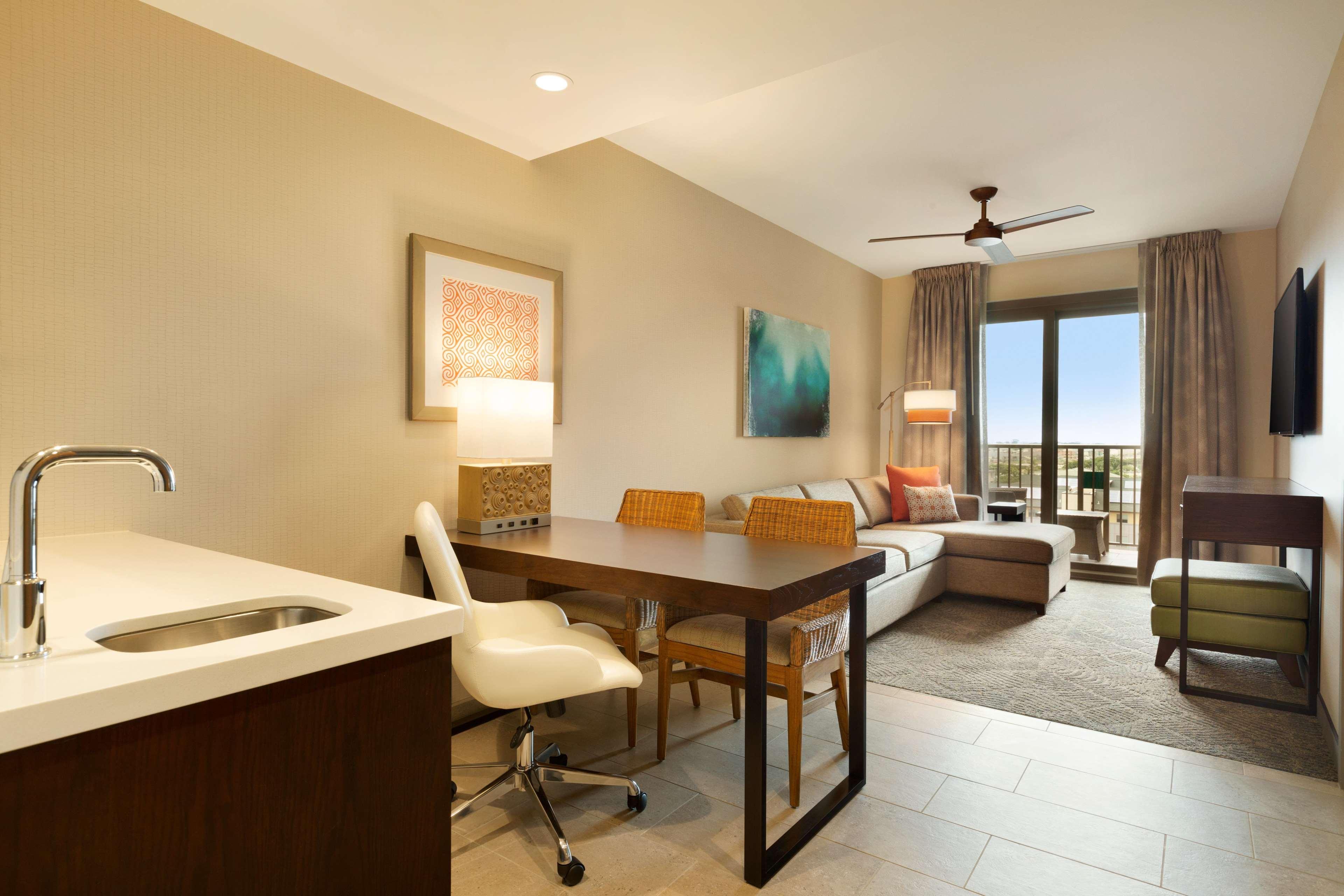 Embassy Suites by Hilton Oahu Kapolei image 39