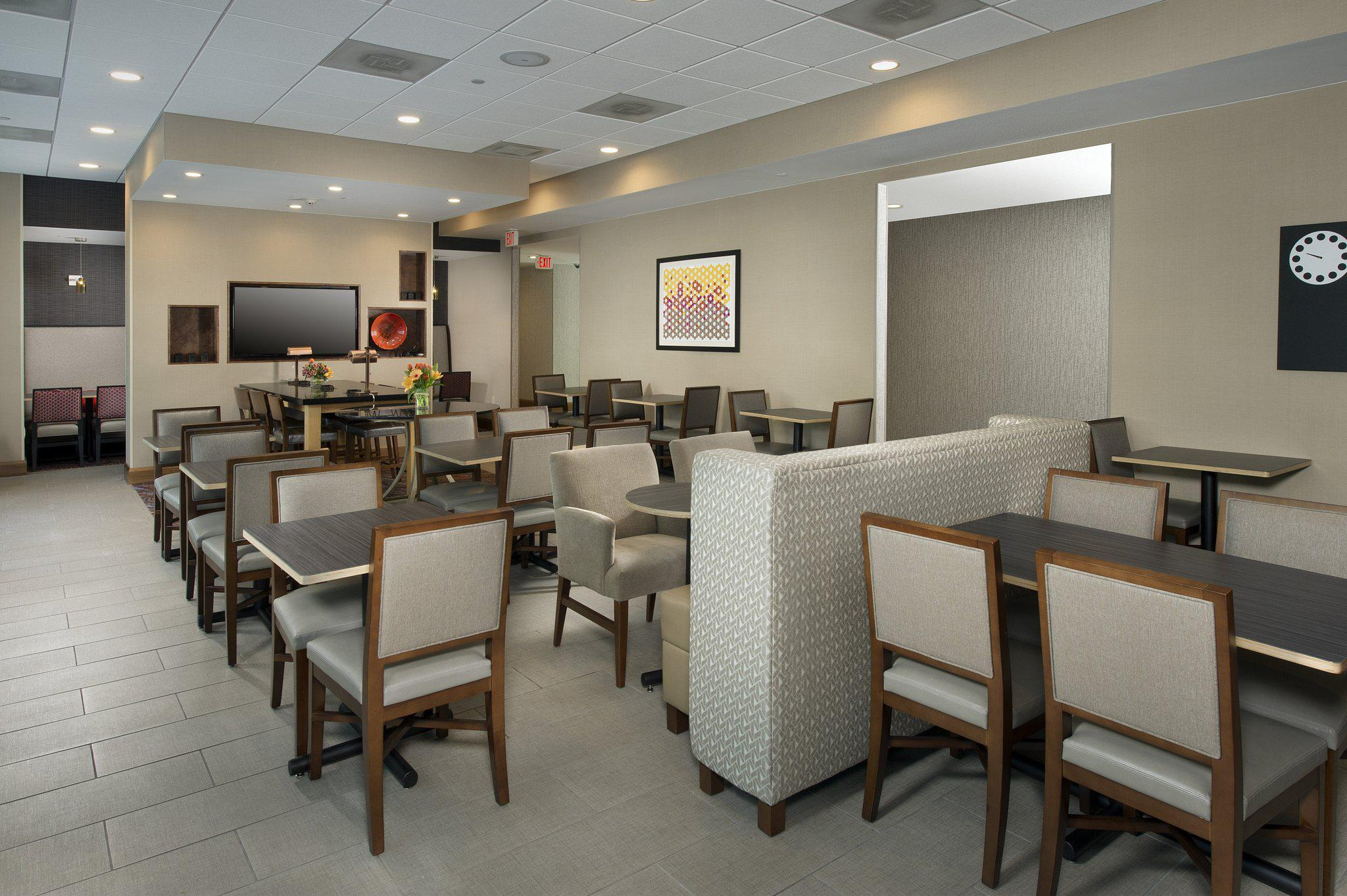 Holiday Inn Express Baltimore at the Stadiums in Baltimore, MD, photo #11