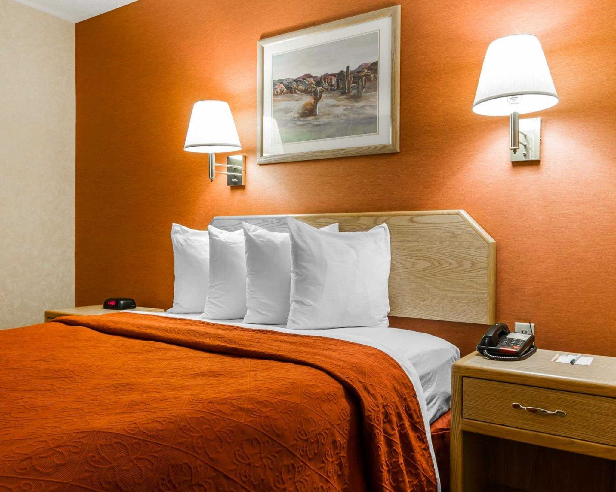 Quality Inn & Suites Surprise Near Sun City West image 2