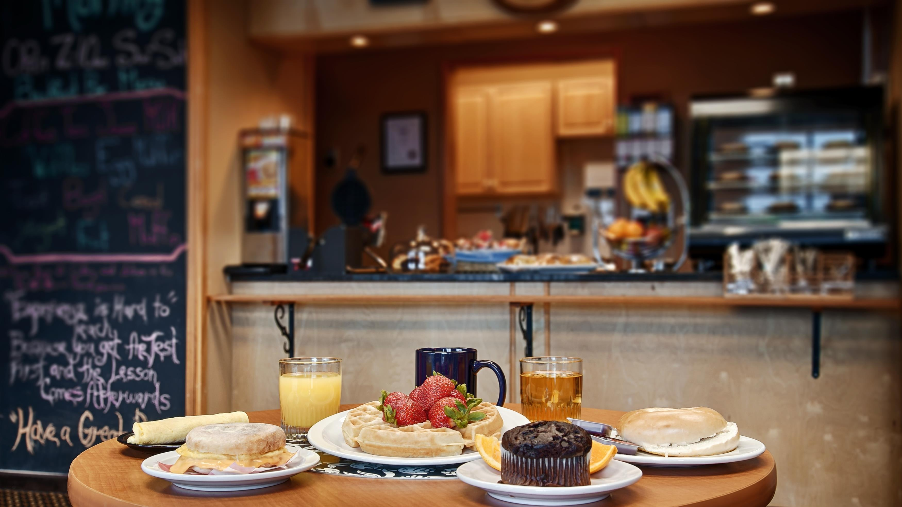 Best Western Plus Mission City Lodge in Mission: Breakfast Area