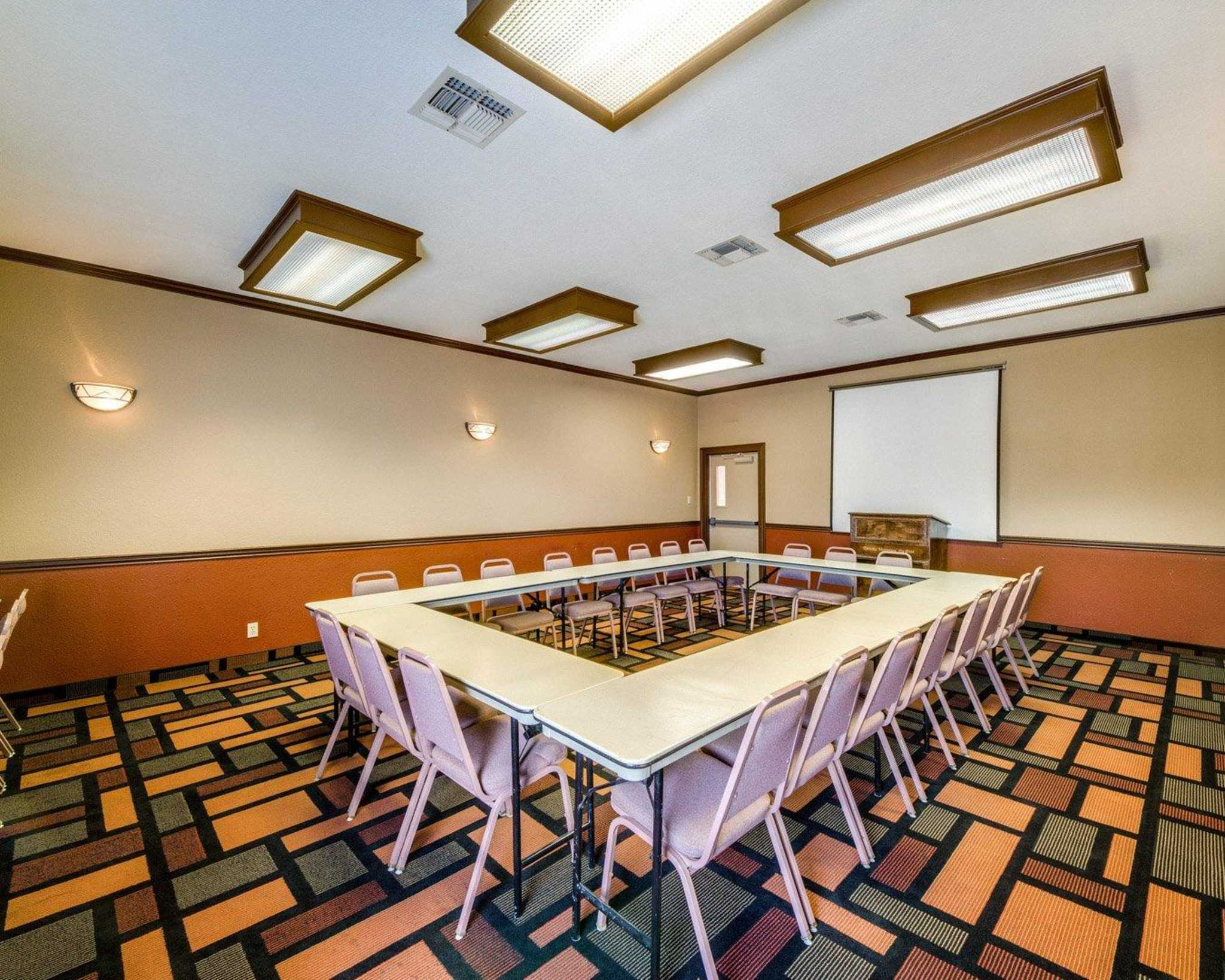 Quality Inn & Suites Eagle Pass image 14