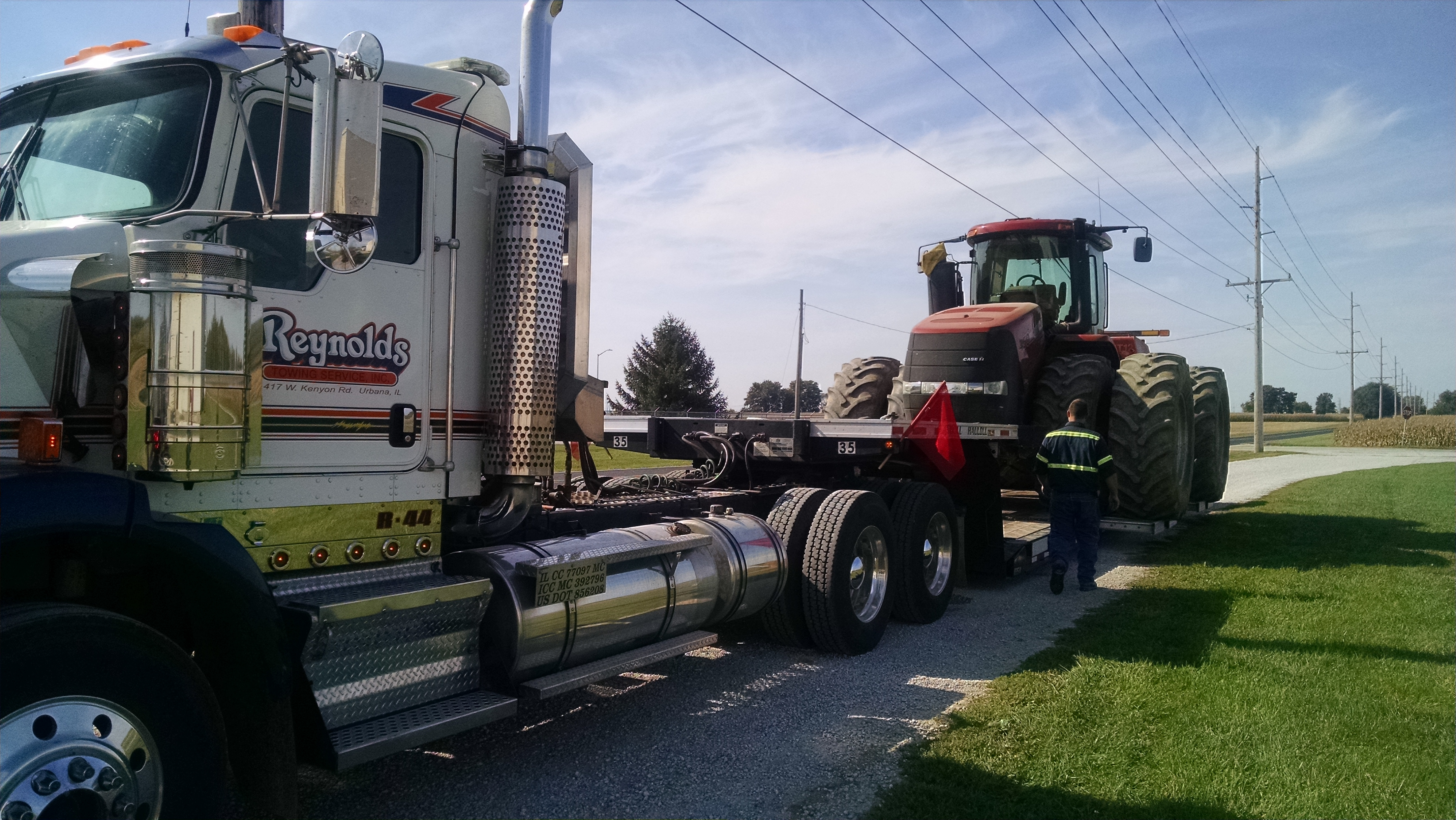 Reynolds Towing Service image 11