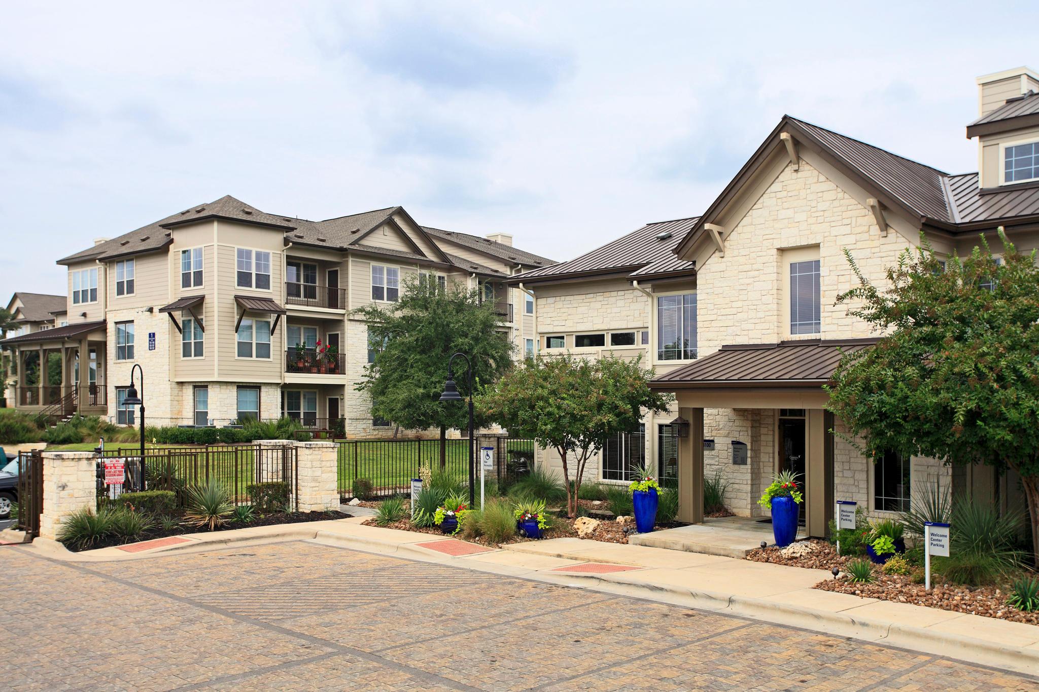Camden Cedar Hills Apartments image 22
