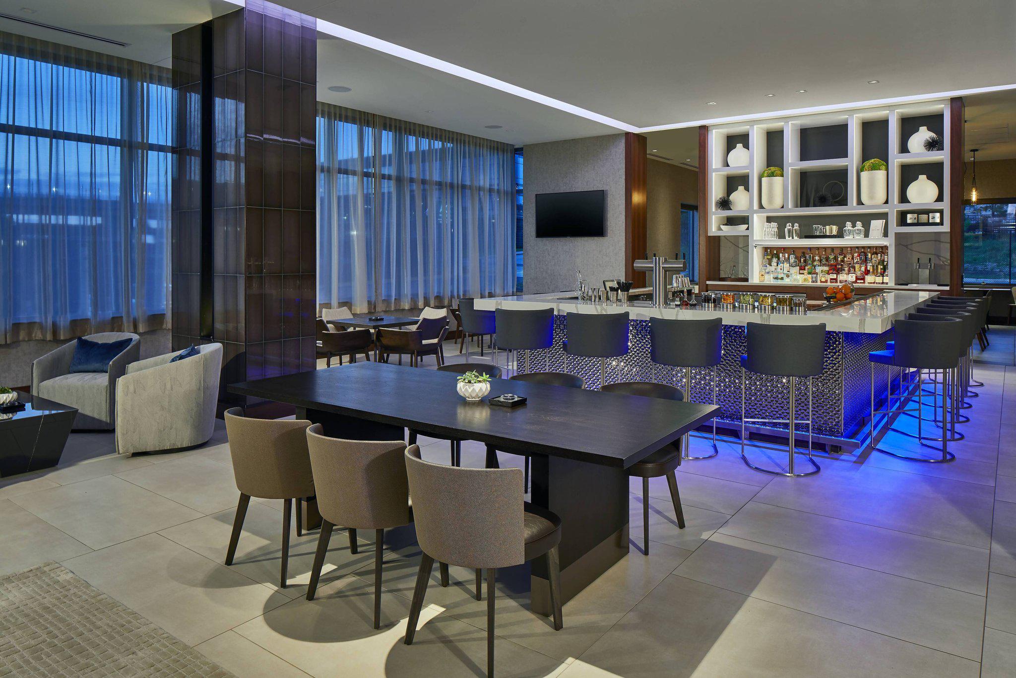 AC Hotel by Marriott Atlanta Airport Gateway