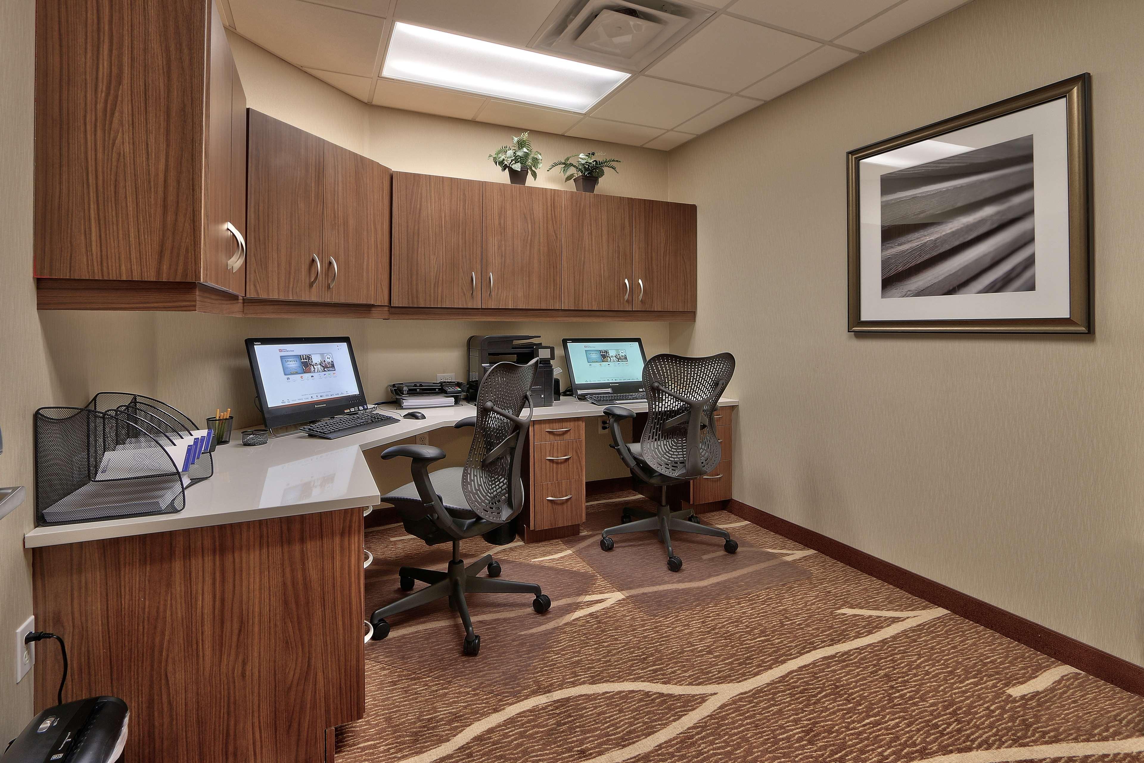 Hilton Garden Inn Albuquerque/Journal Center image 35