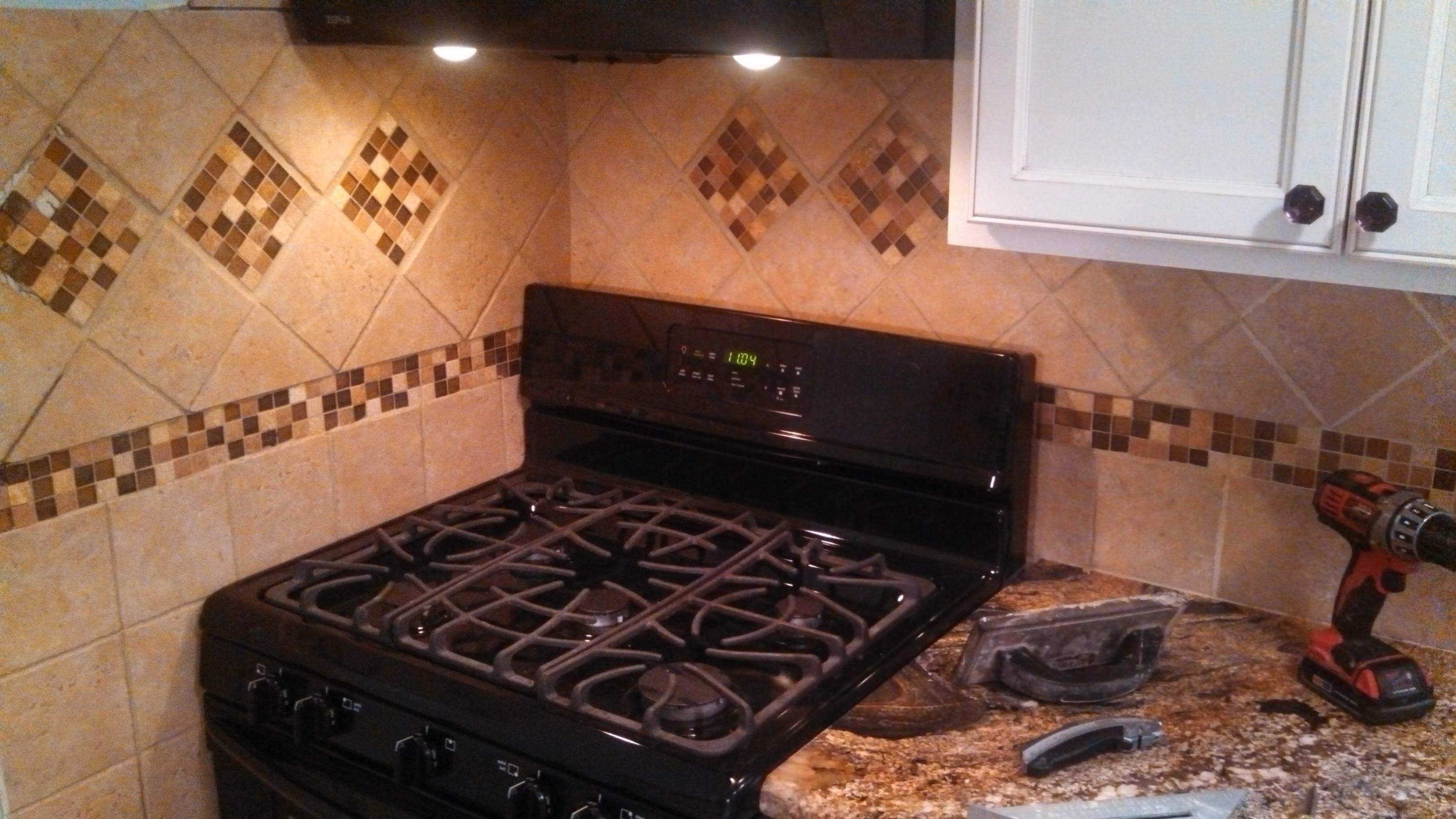 A tile backsplash can be a cost effective way to accent your kitchen remodel, or give a fresh face lift to your current kitchen space.