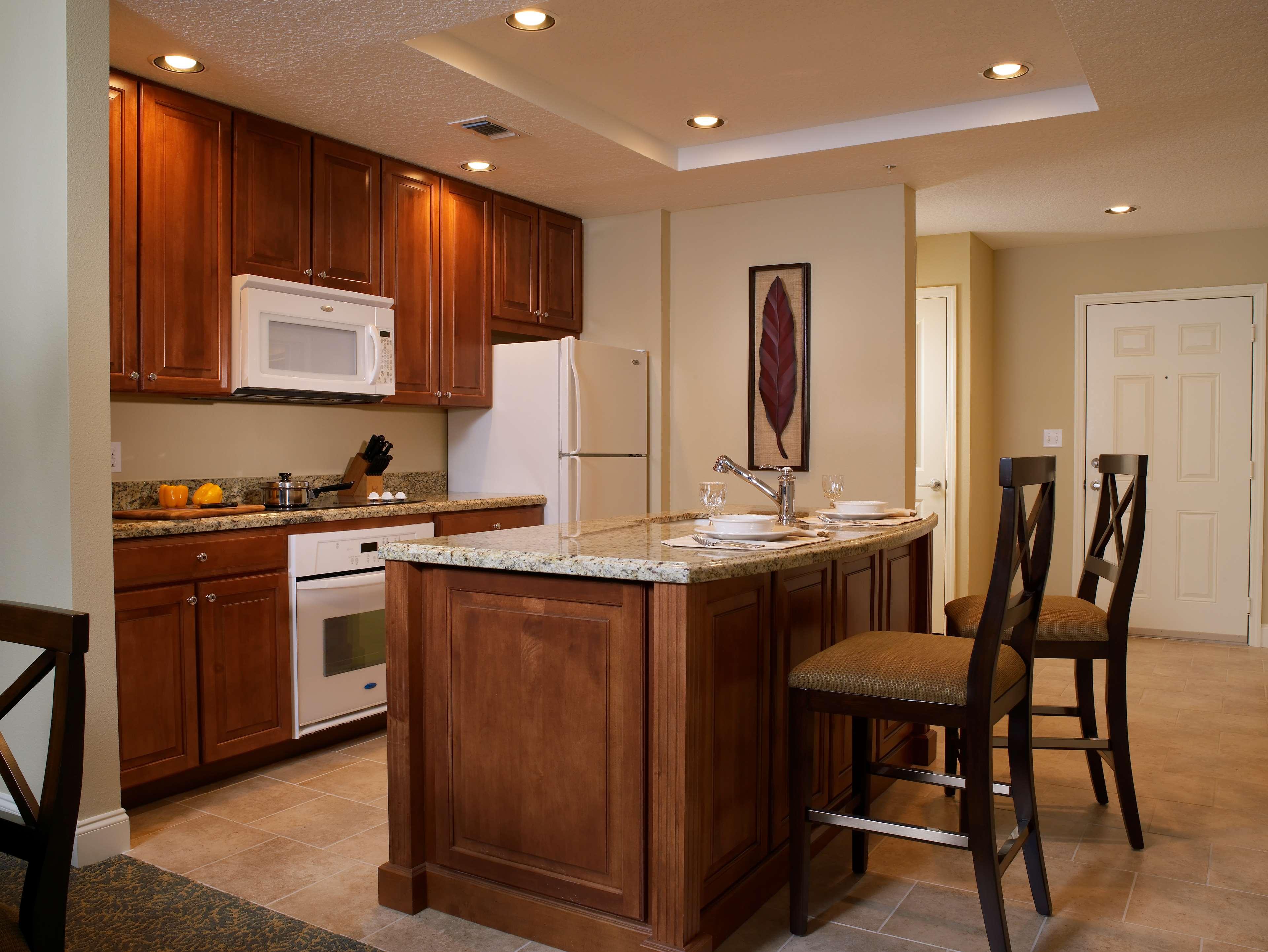 St. Augustine Phase Kitchen - 3-bdrm lockoff villa, 2-bdrm villa, 2-bdrm lockoff villa, or 1-bdrm premium villa.