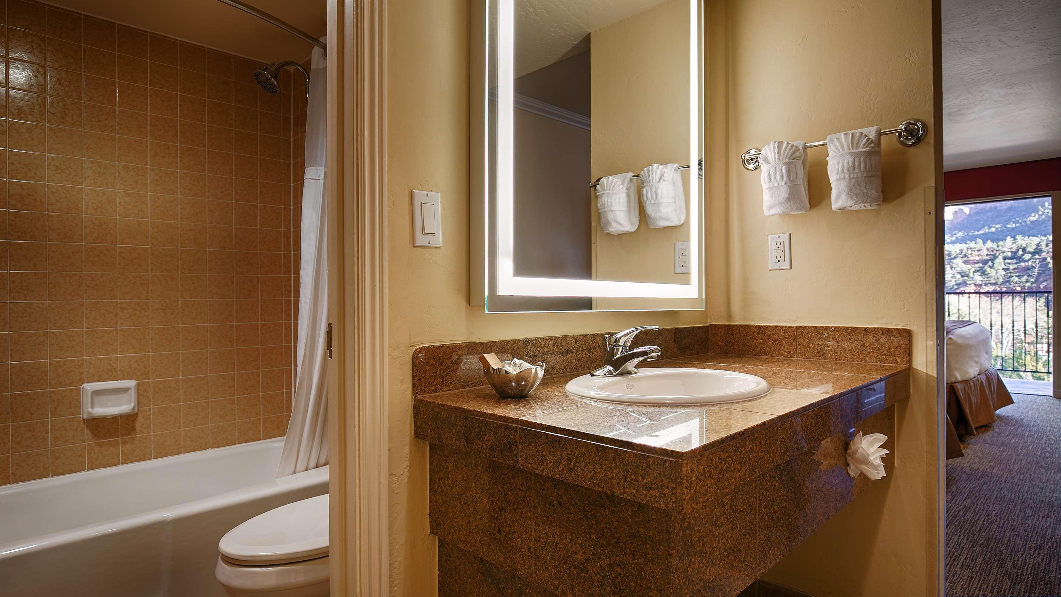 Best Western Plus Arroyo Roble Hotel & Creekside Villas image 48