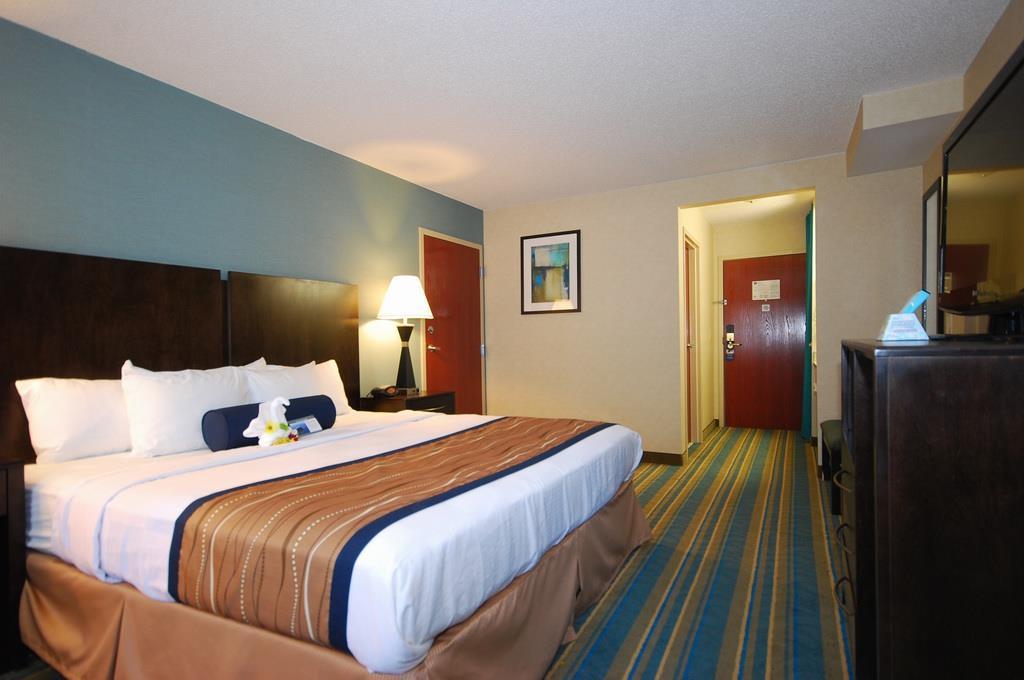 Best Western Plus Berkshire Hills Inn & Suites image 19