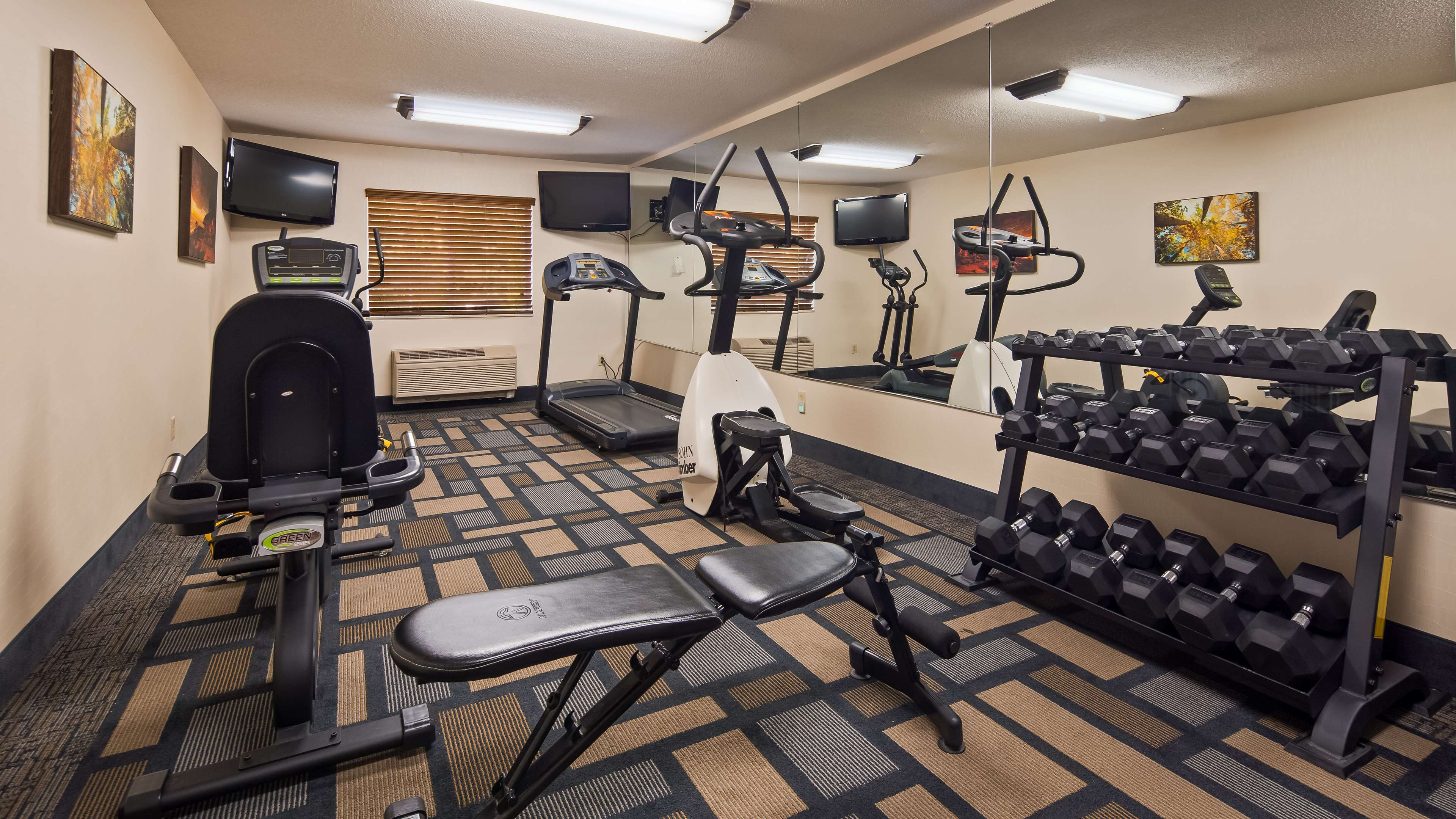 Best Western Plus Berkshire Hills Inn & Suites image 7