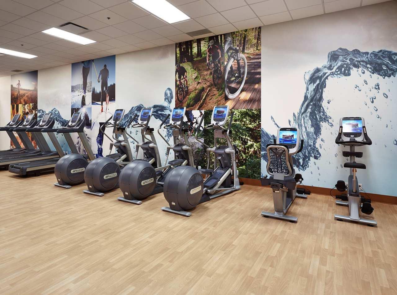 DoubleTree by Hilton Hotel West Edmonton in Edmonton: Fitness Center Bikes