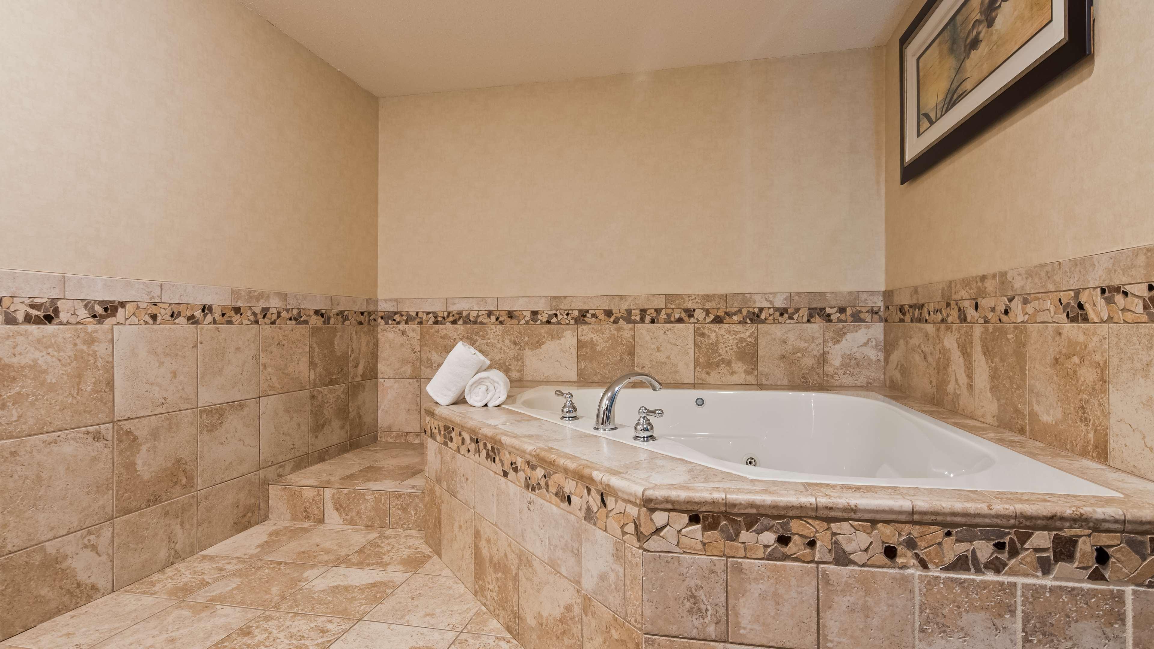 Best Western Plus Berkshire Hills Inn & Suites image 38