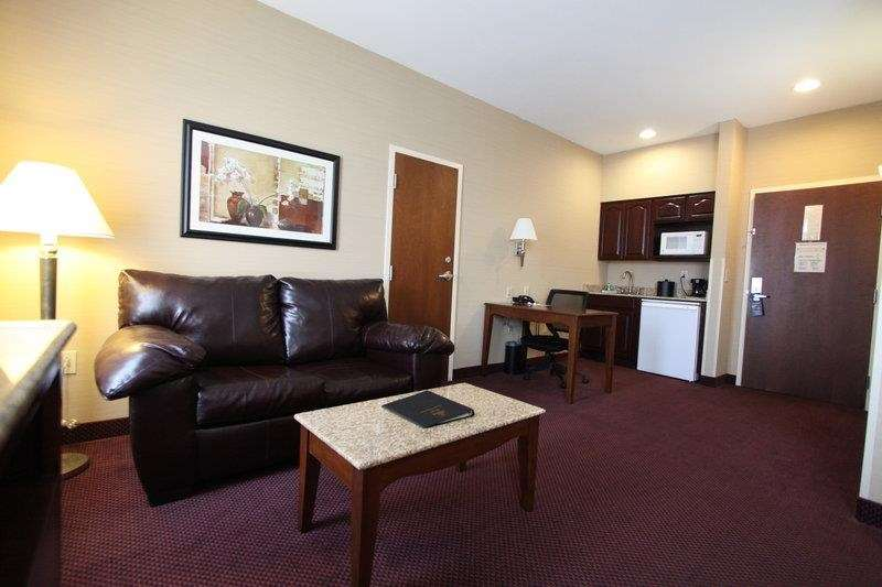 Best Western Plus Hannaford Inn & Suites image 34