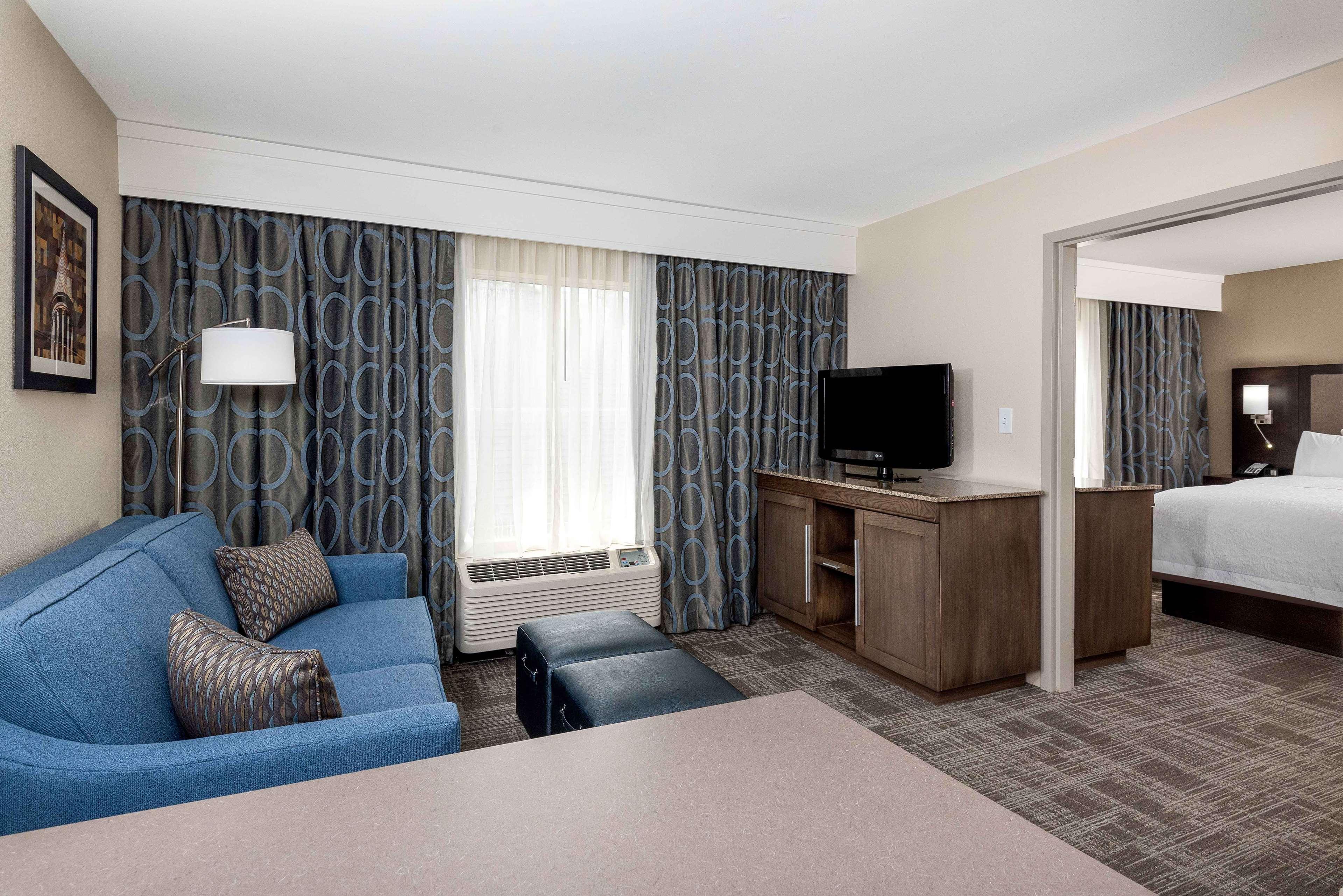 Hampton Inn & Suites Chapel Hill/Durham, Area image 17