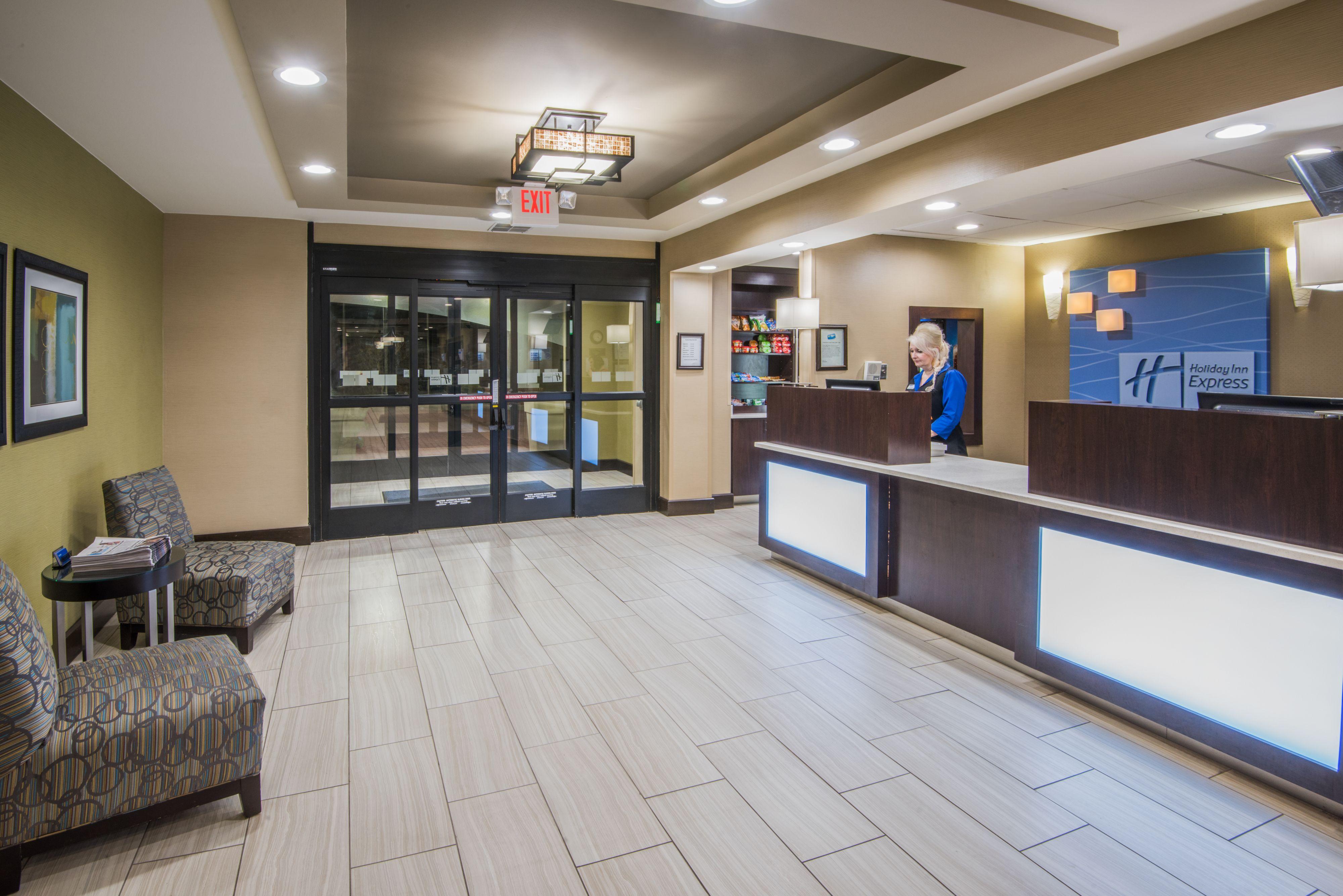 Holiday Inn Express & Suites Ashland image 4