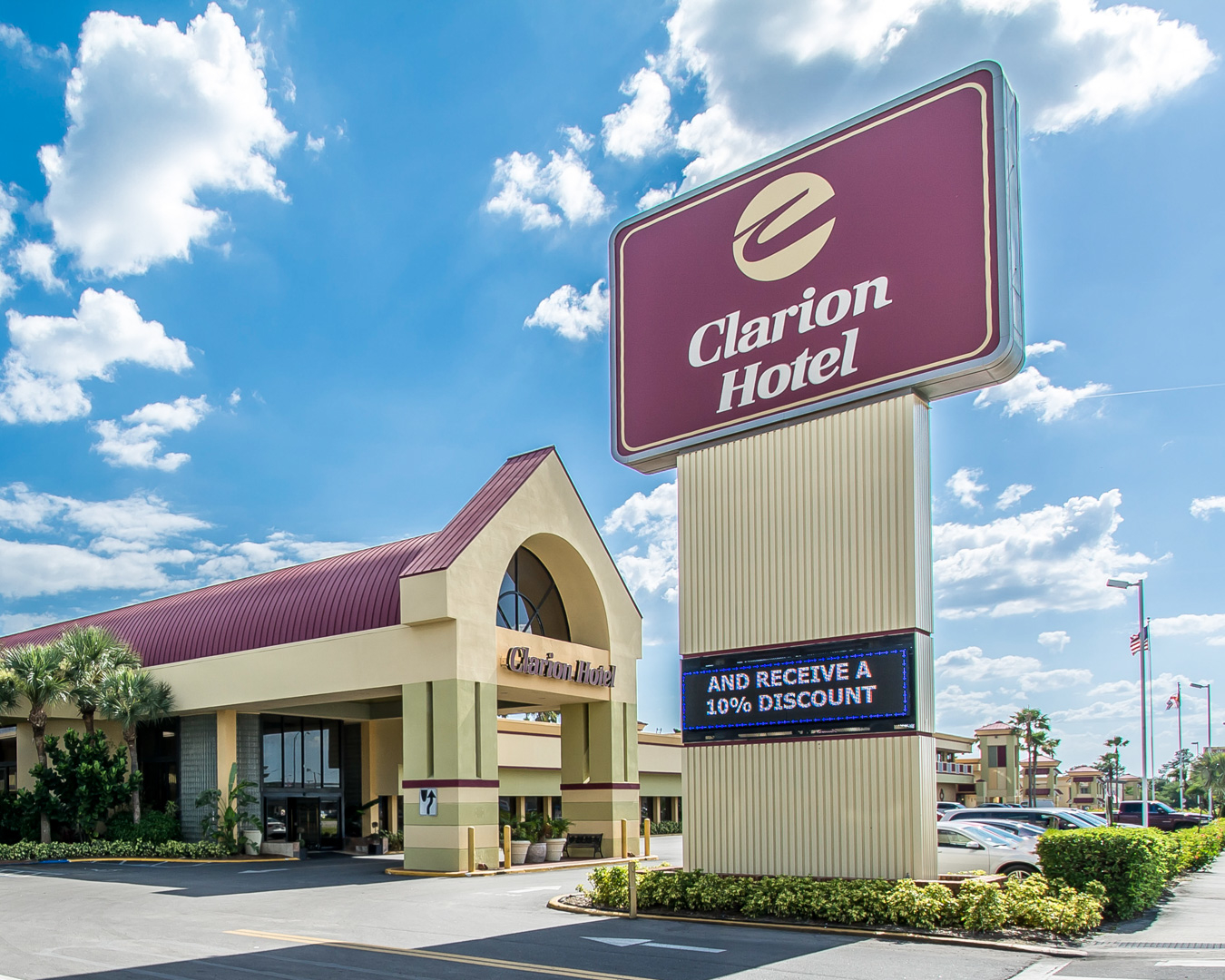 Clarion Hotel & Conference Center in Tampa, FL - (813) 971-4...