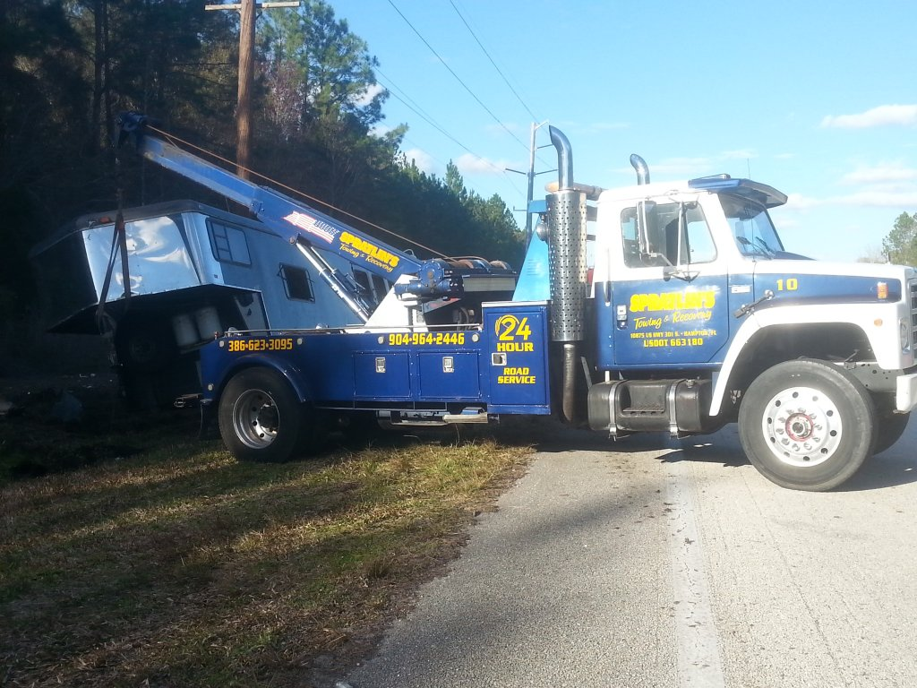 Spratlin Towing & Recovery image 0