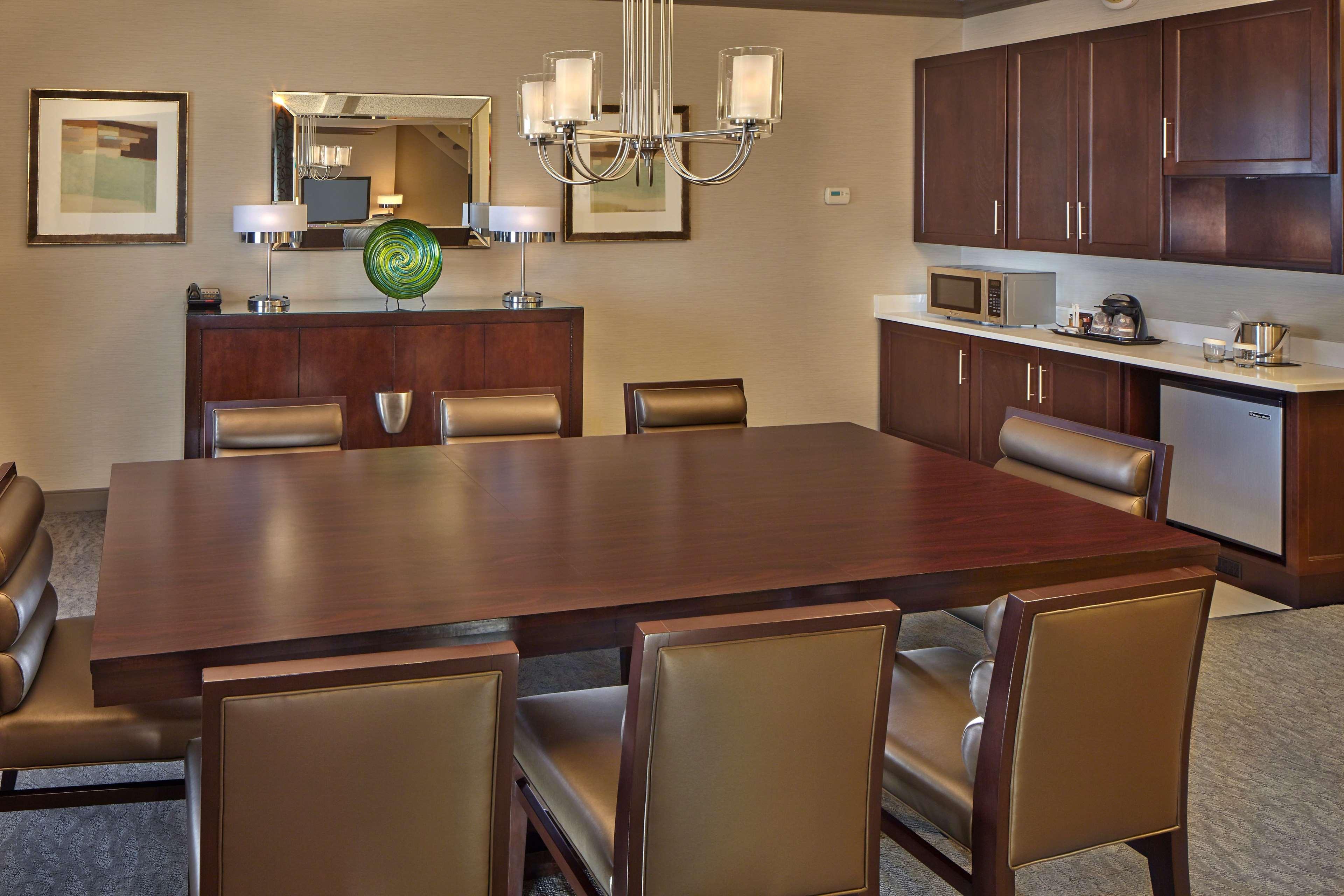 DoubleTree by Hilton Hotel Little Rock image 23