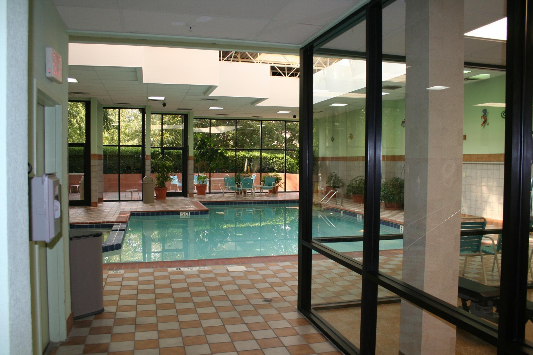 Embassy Suites by Hilton Atlanta Perimeter Center image 2
