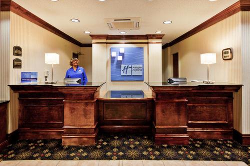 Holiday Inn Express & Suites Philadelphia-Choctaw image 1