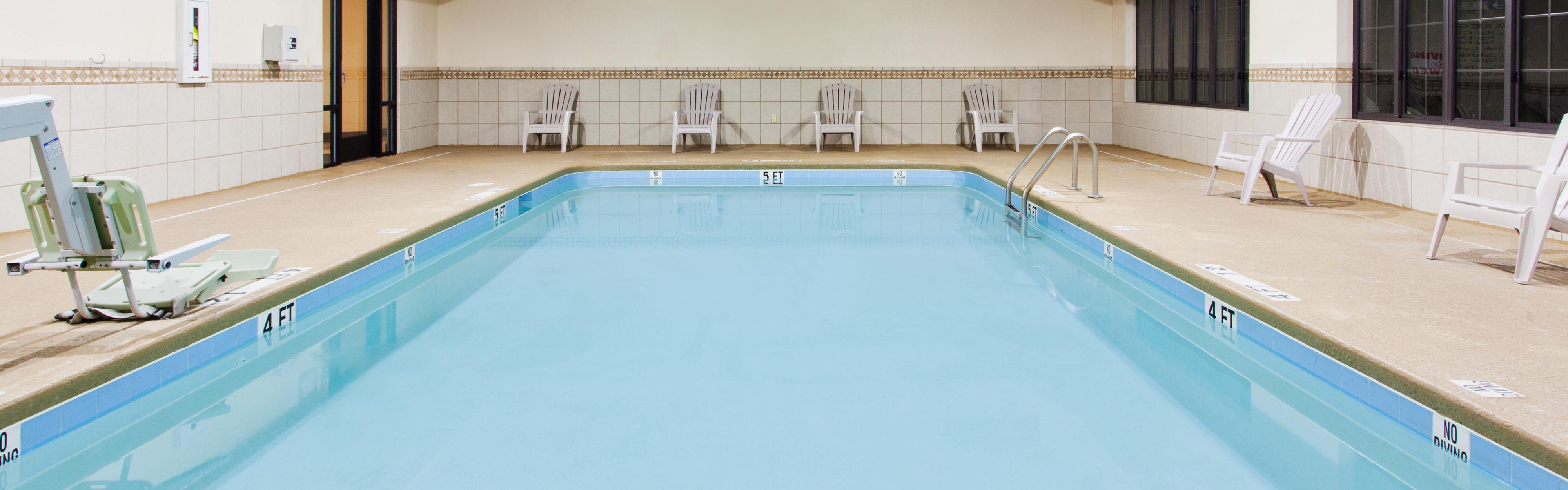 Holiday Inn Express & Suites Douglas image 2