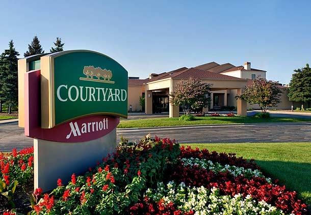 Courtyard by Marriott Chicago Waukegan/Gurnee image 0