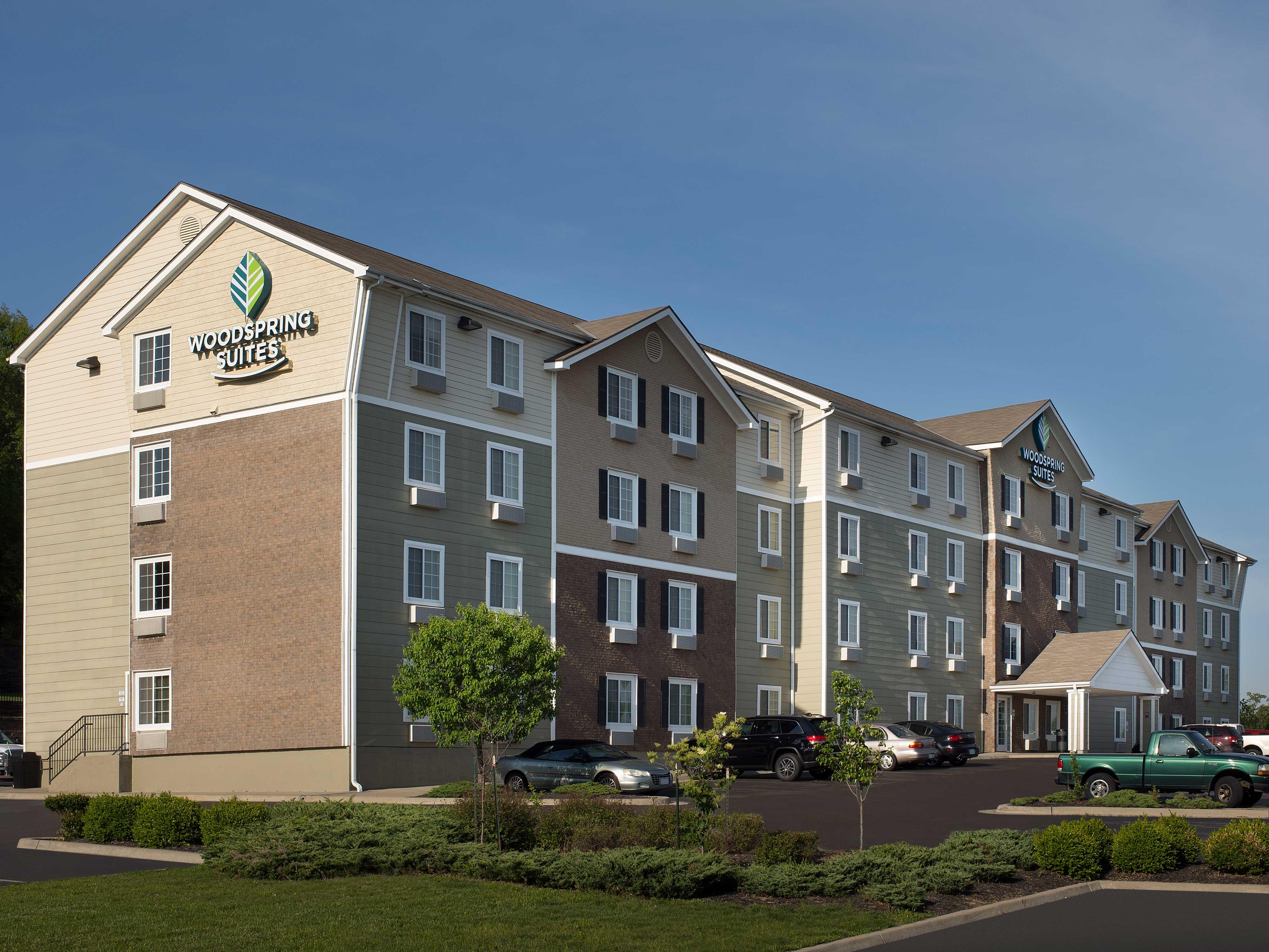 WoodSpring Suites Kansas City Mission image 1