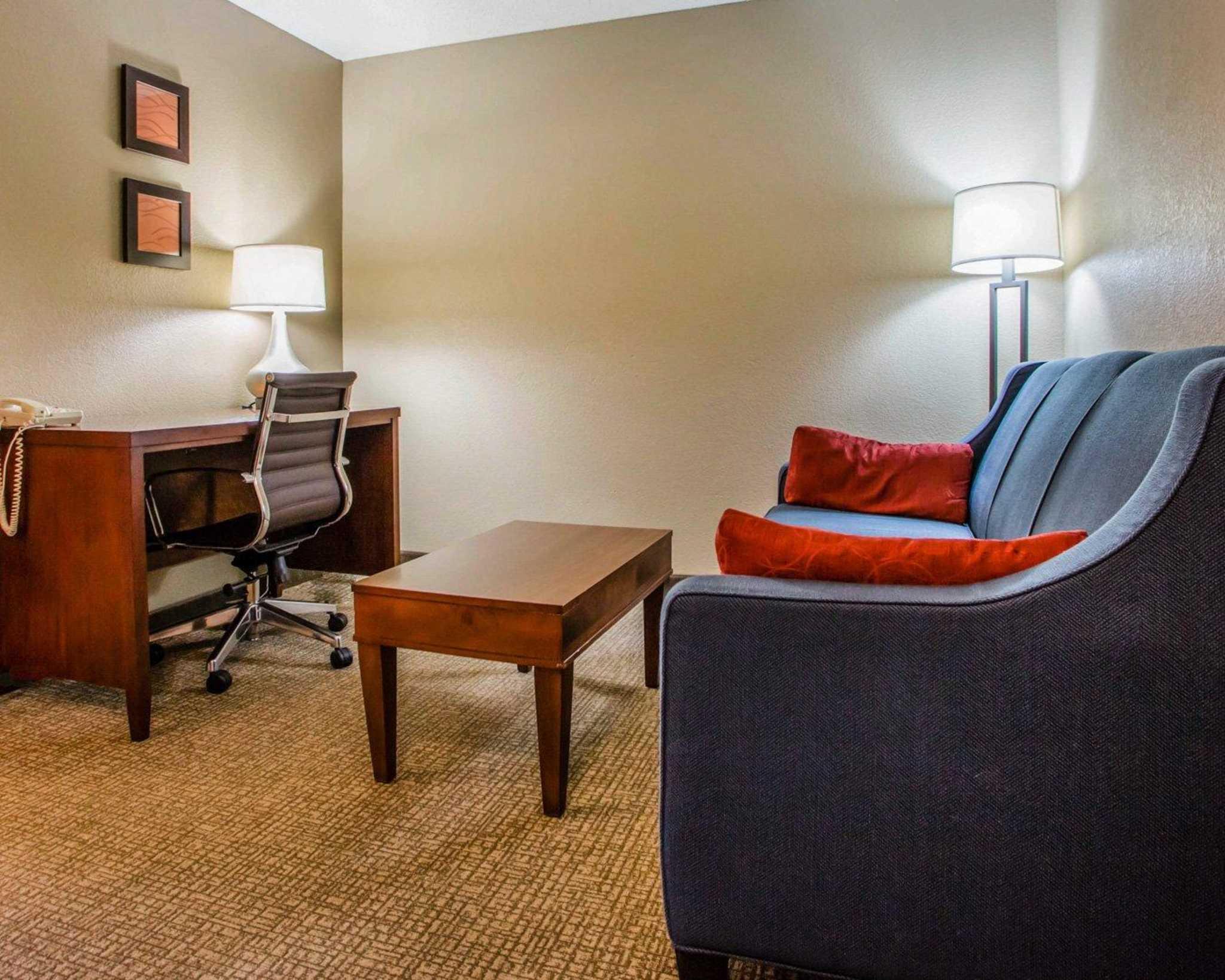 Comfort Inn & Suites Jackson - West Bend image 27