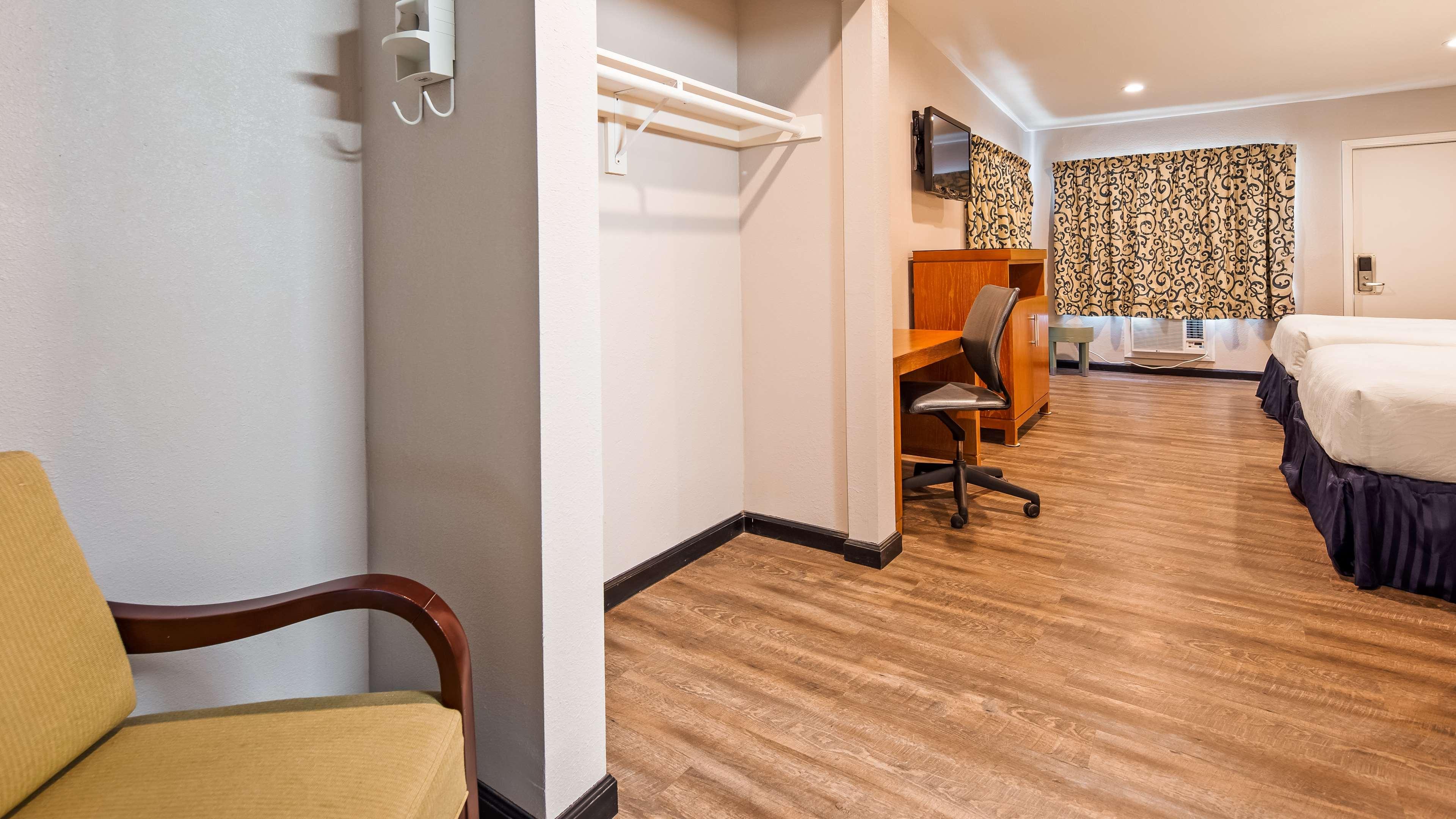 SureStay Hotel by Best Western Ridgecrest image 8