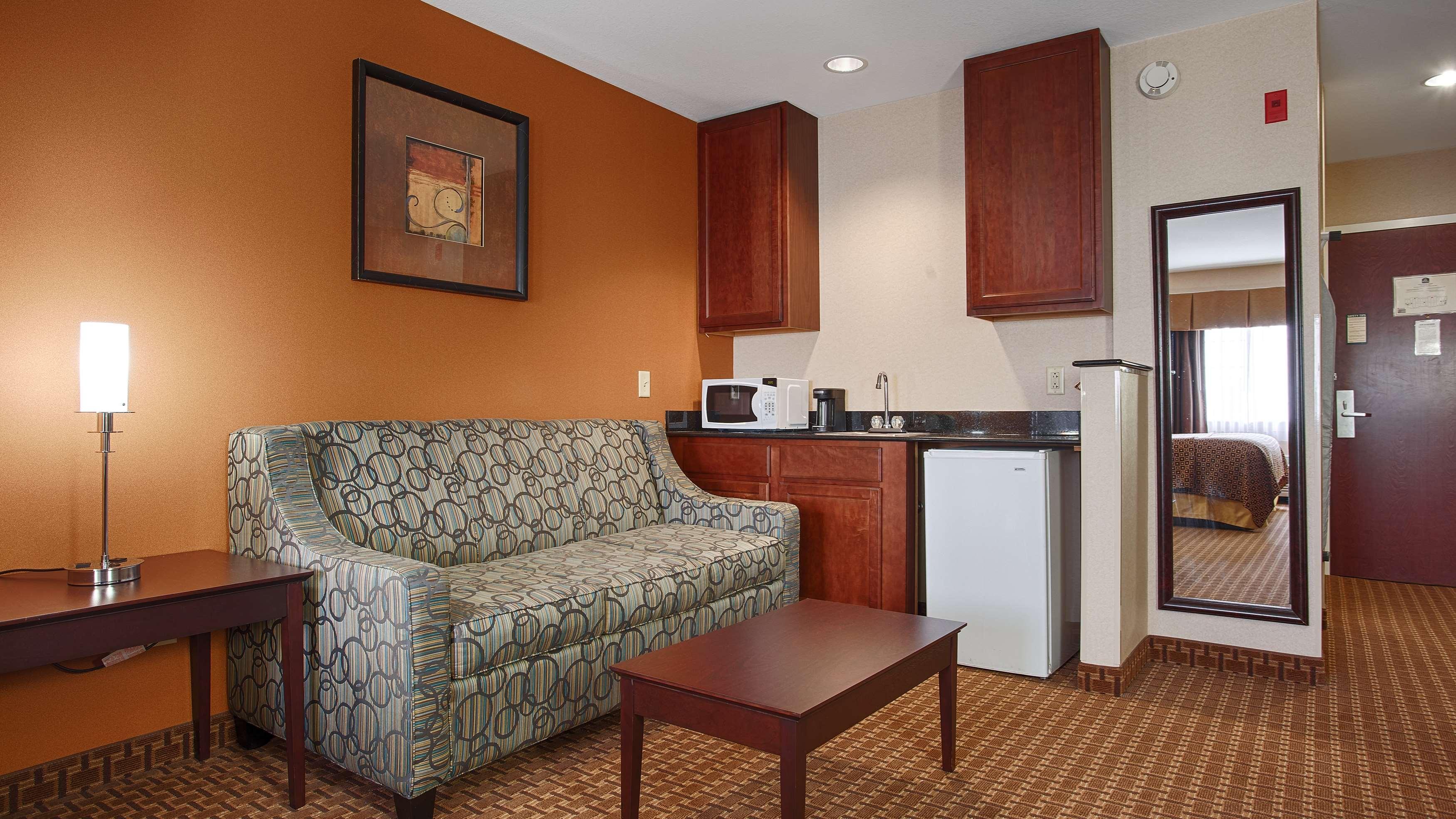 Best Western Concord Inn & Suites image 17
