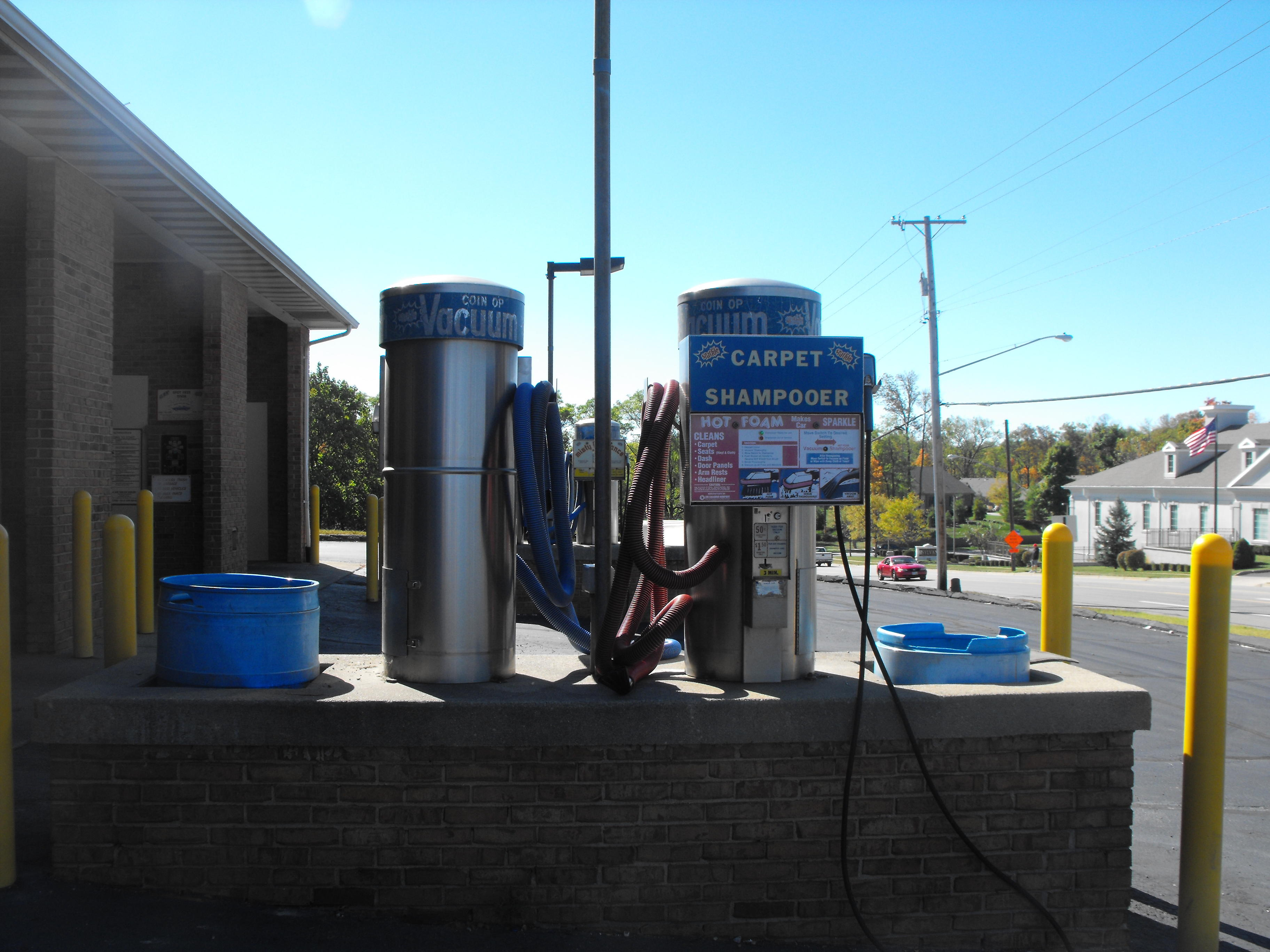 Vandalia Coin Laundry and Car Wash image 3