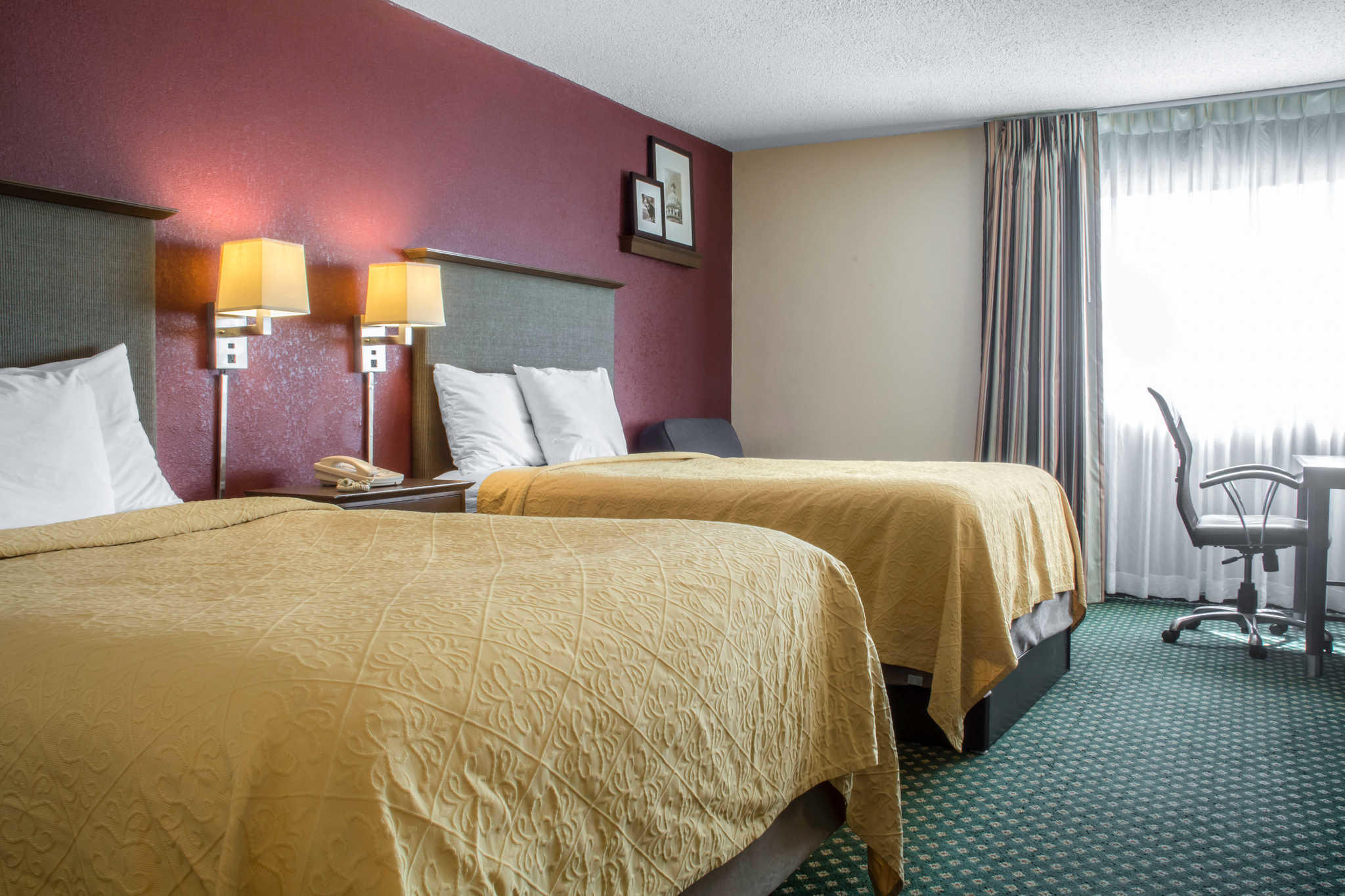 Quality Inn Rochester Airport image 10