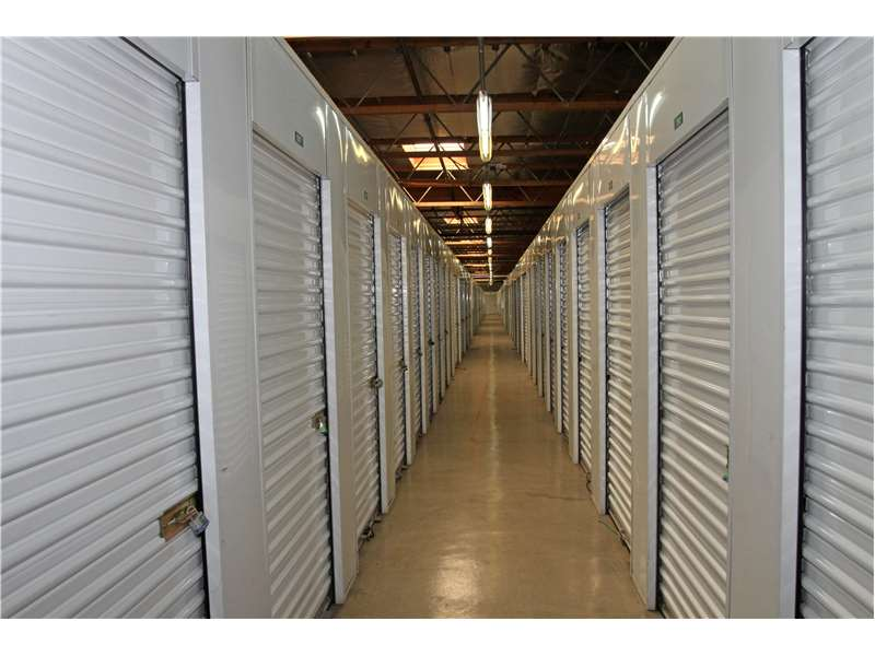 Extra Space Storage At 12360 Foothill Blvd Sylmar Ca On Fave