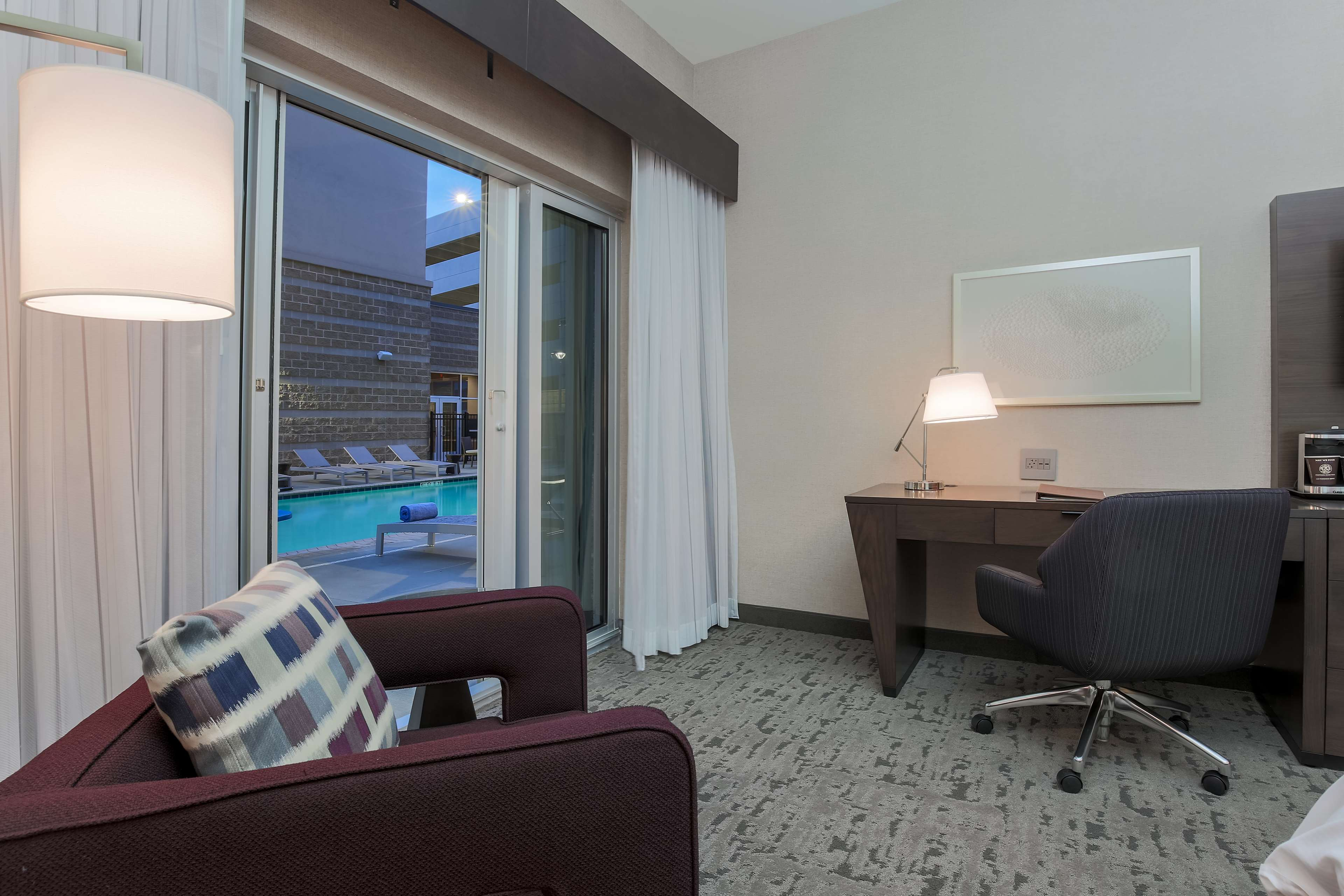 DoubleTree by Hilton Evansville image 39