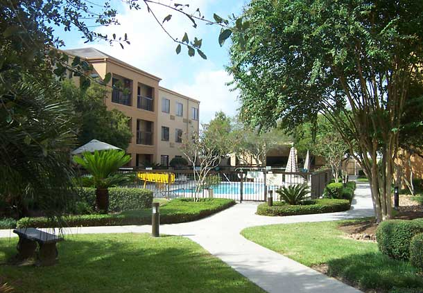 Courtyard by Marriott Houston Hobby Airport image 3