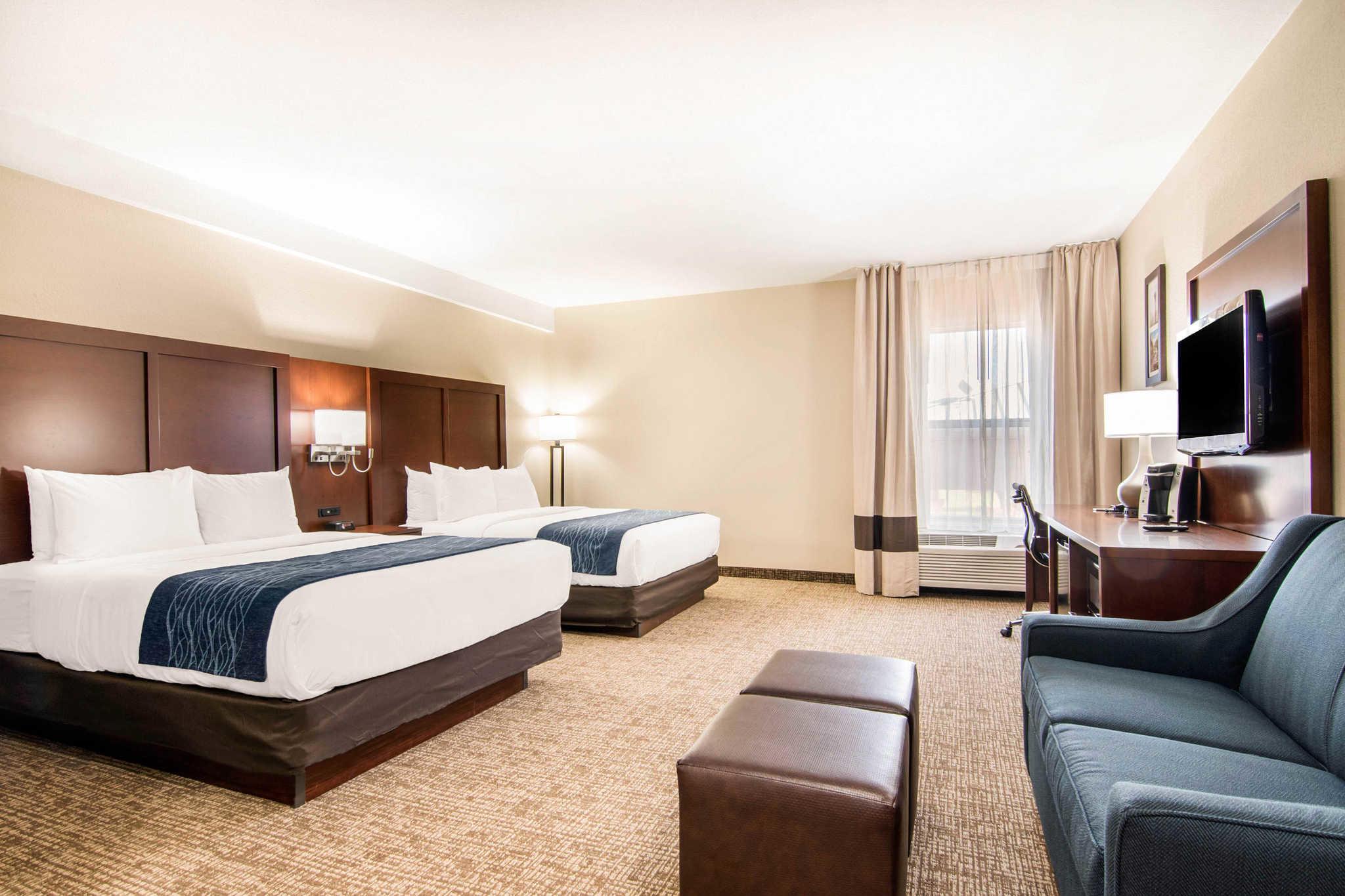 Comfort Inn & Suites Junction City - near Fort Riley image 23