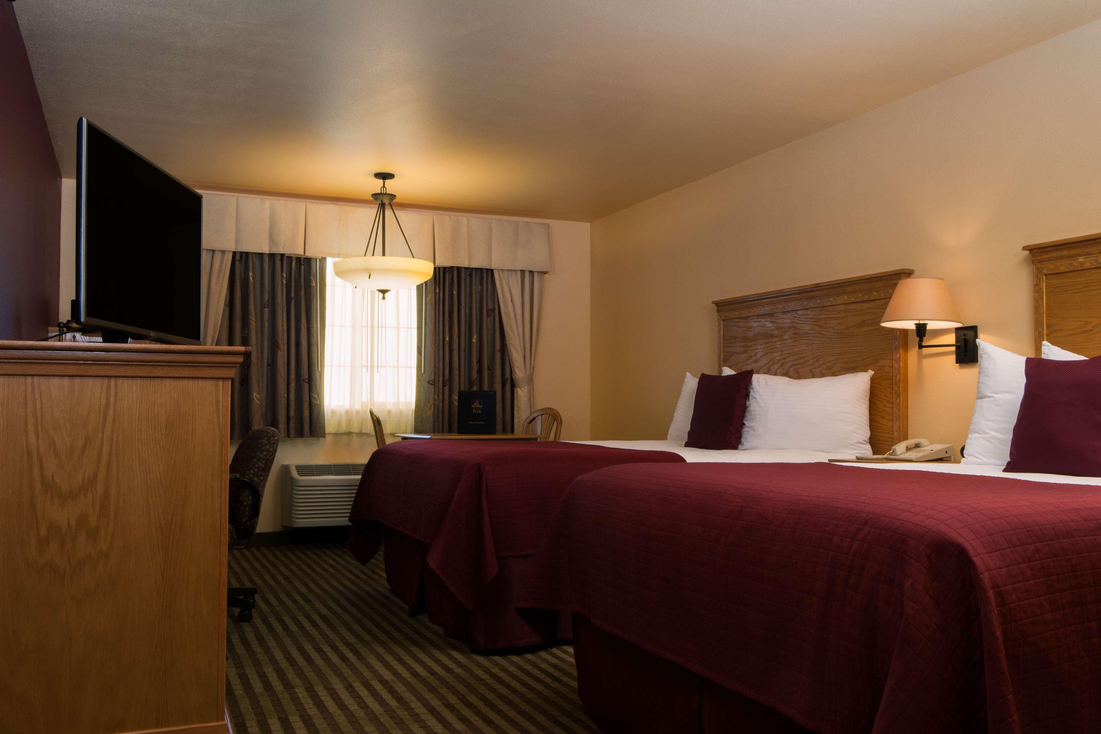 Best Western Plus Caldwell Inn & Suites image 32